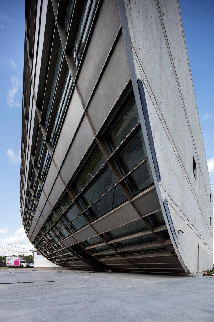 Sede regional de LSB por Domaine Public Architects. Fotografía por Ieva Saudargaite