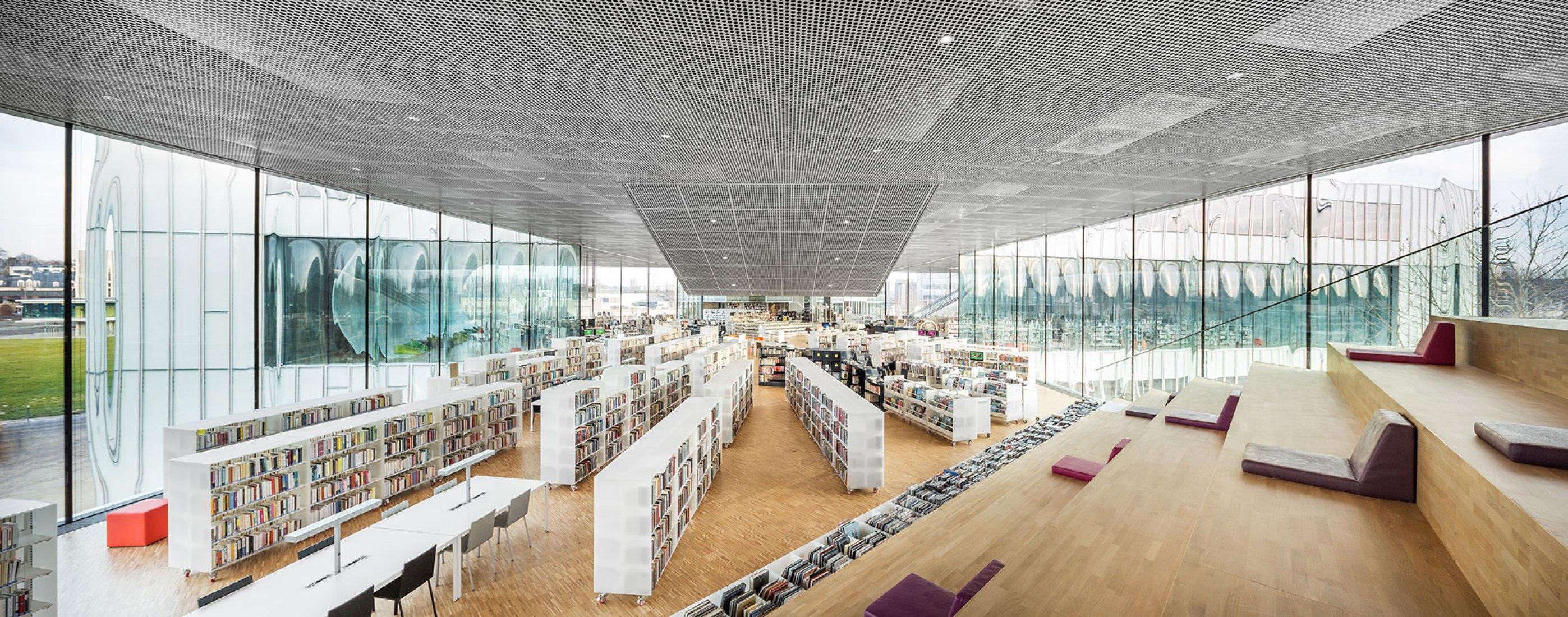 Interior. Bibliothèque Alexis de Tocqueville by OMA. Photograph by Delfino Sisto Legnani and Marco Cappelletti, Courtesy of OMA.