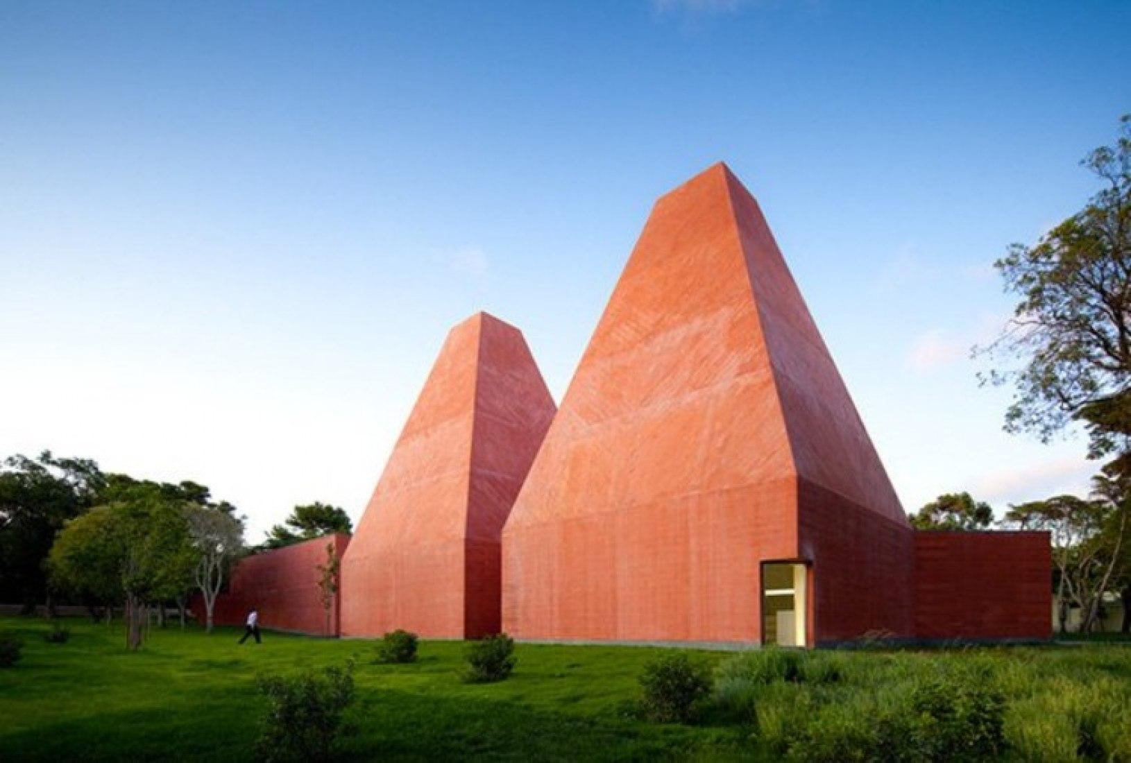 Museu Paula Rego, Casa das Histórias, Cascais, Portugal. Photograph © FG + SG/Fernando Guerra.