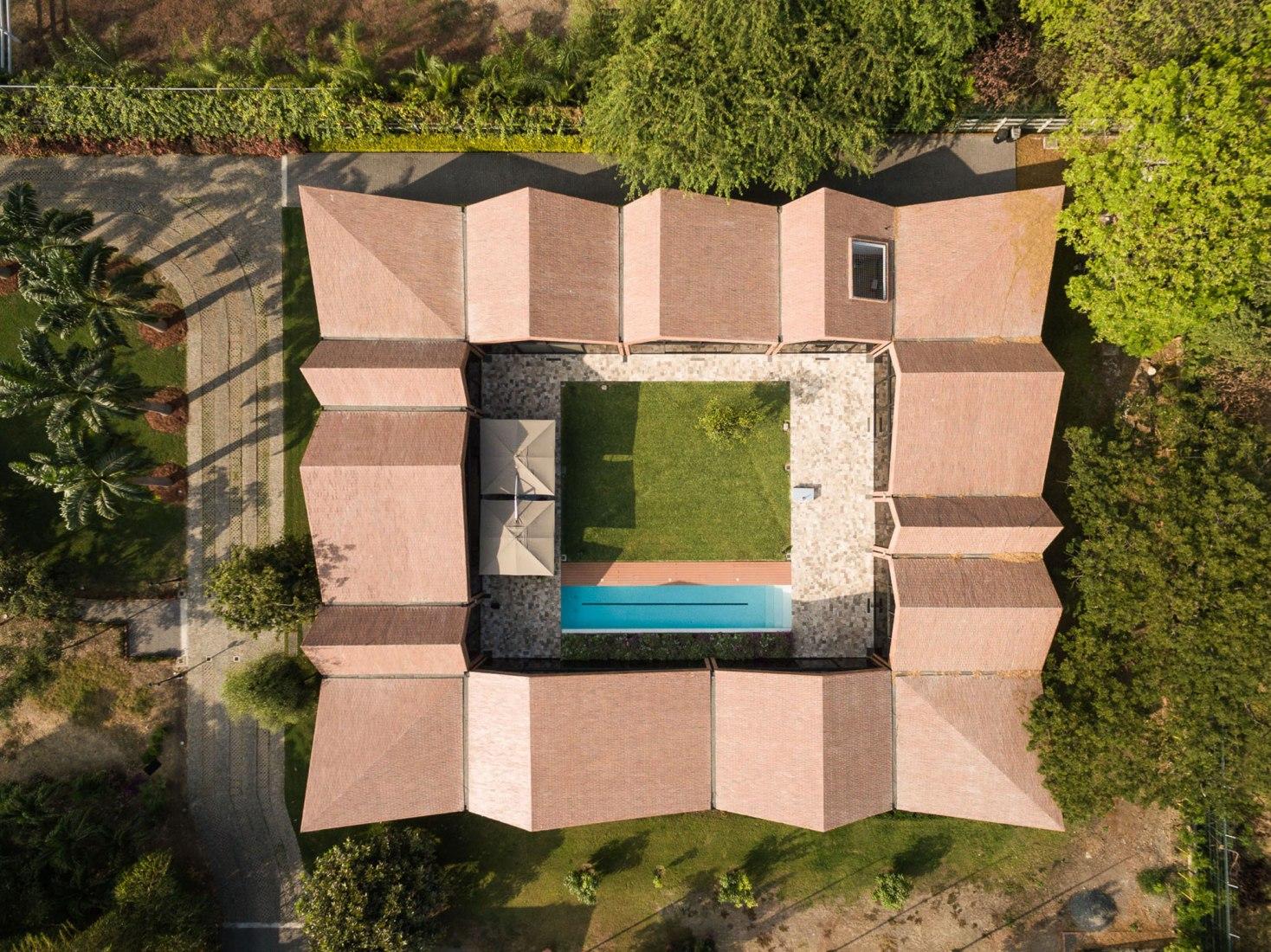 El Cortijo House by Felipe Assadi Arquitectos. Photograph by Fernando Alda.