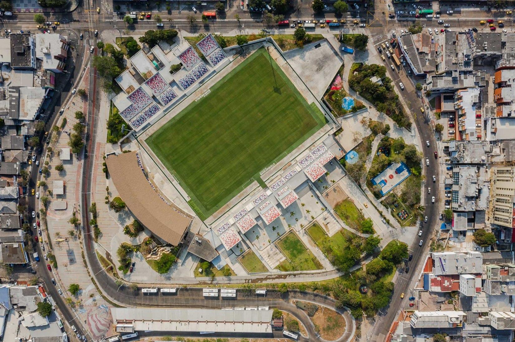 Romelio Martínez Stadium por El Equipo Mazzanti. Fotografía por Alejandro Arango