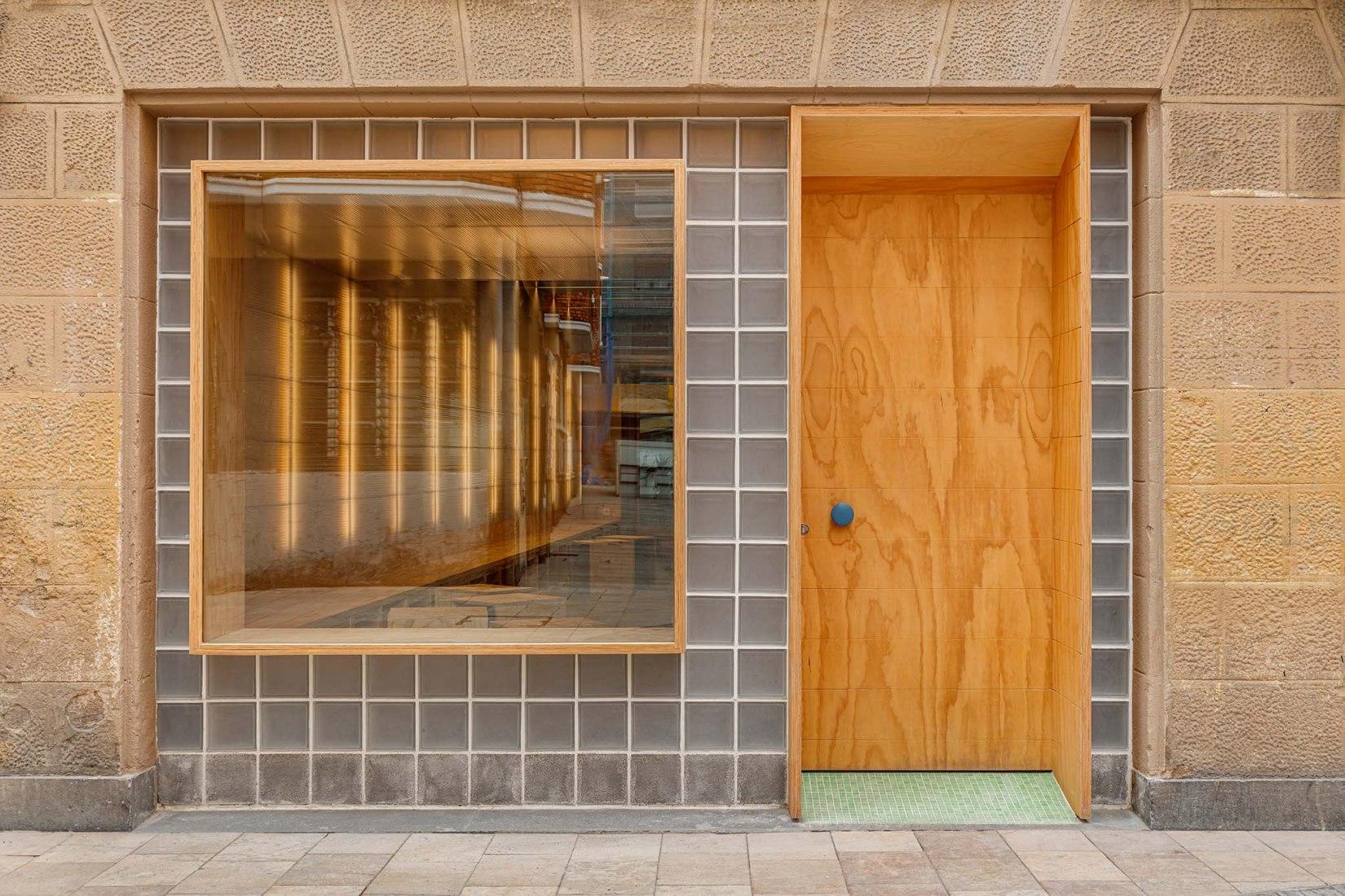 Sede del equipo de rugby «Durango Rugby Taldea» por ELE Arkitektura. Fotografía por Aitor Estevez