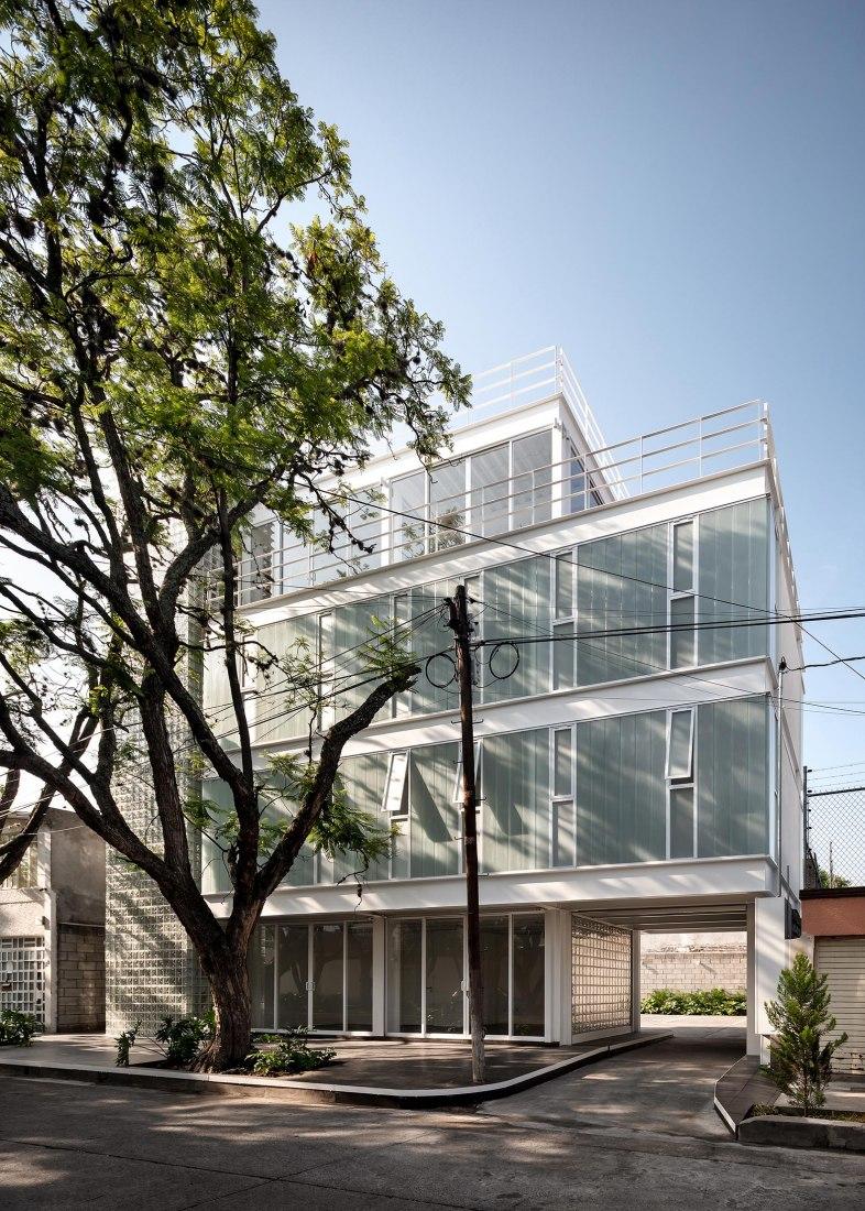 Edificio Avenida Central por Emilio Alvarez Abouchard Arquitectura. Fotografía por Dane Alonso