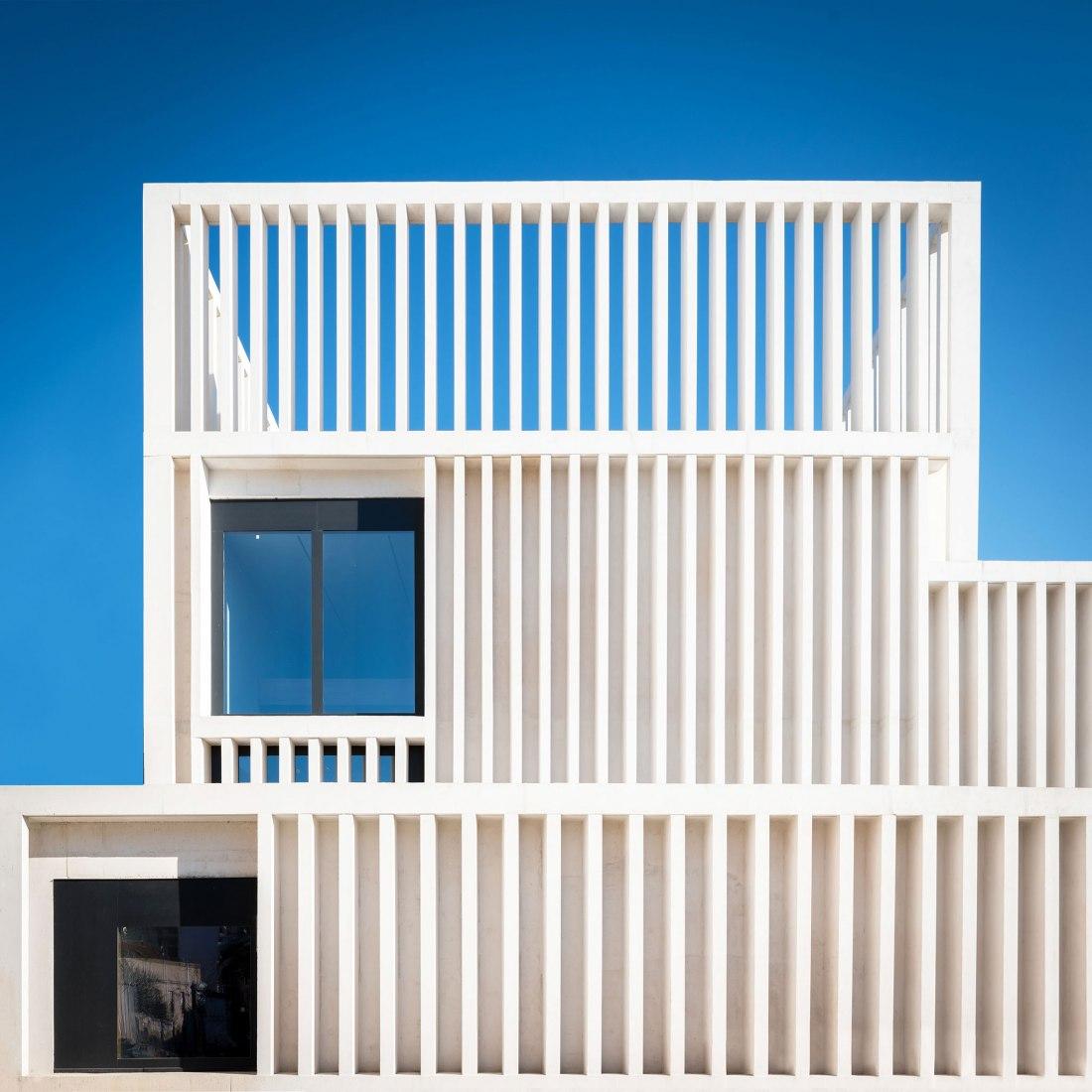 Museum of Contemporary Art Helga de Alvear by Emilio Tuñón Arquitectos. Photography by Alberto Amores & Pancho Matienzo