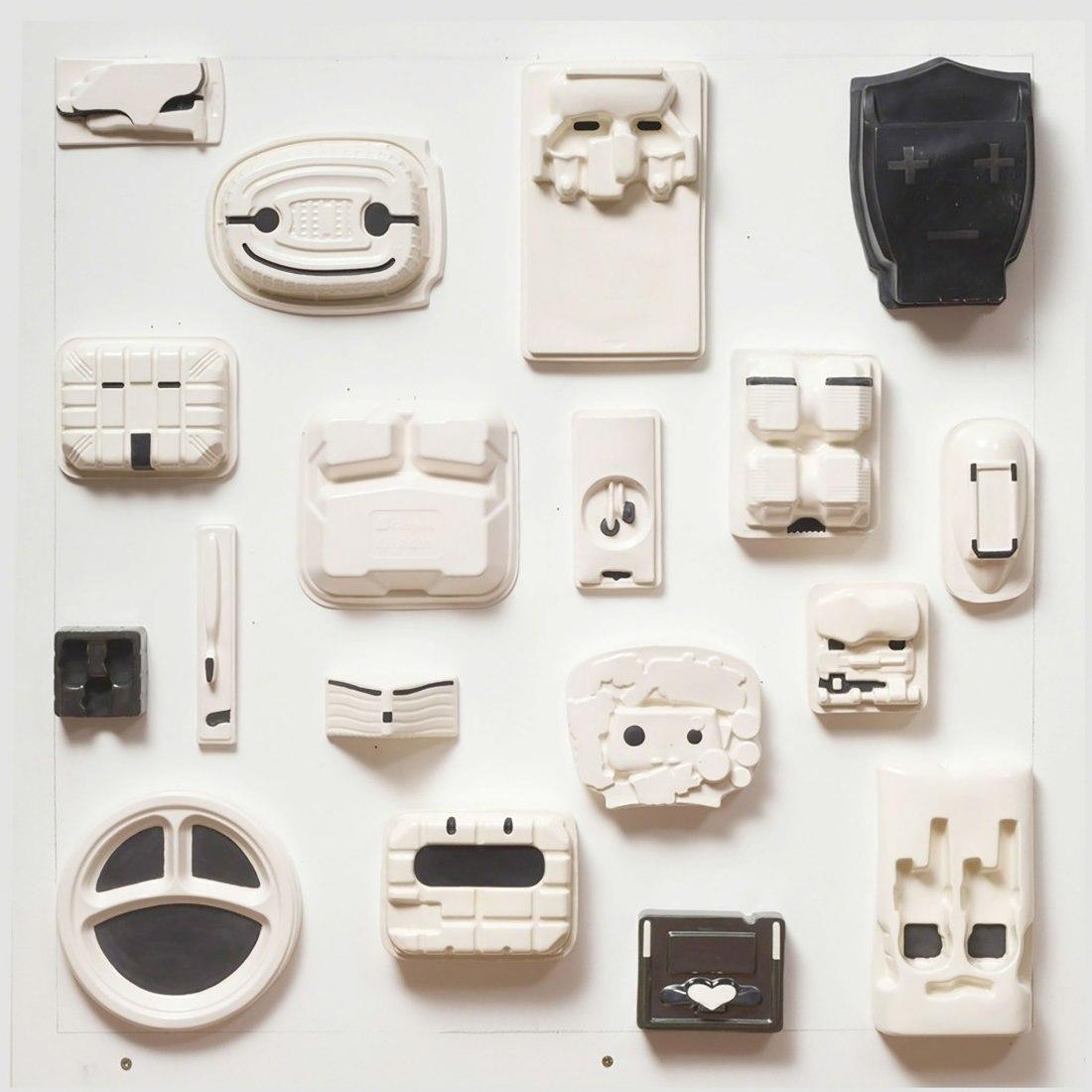 EMOTICONS x m² por Patricia Camet. Imagen cortesía de Galería Ponce + Robles