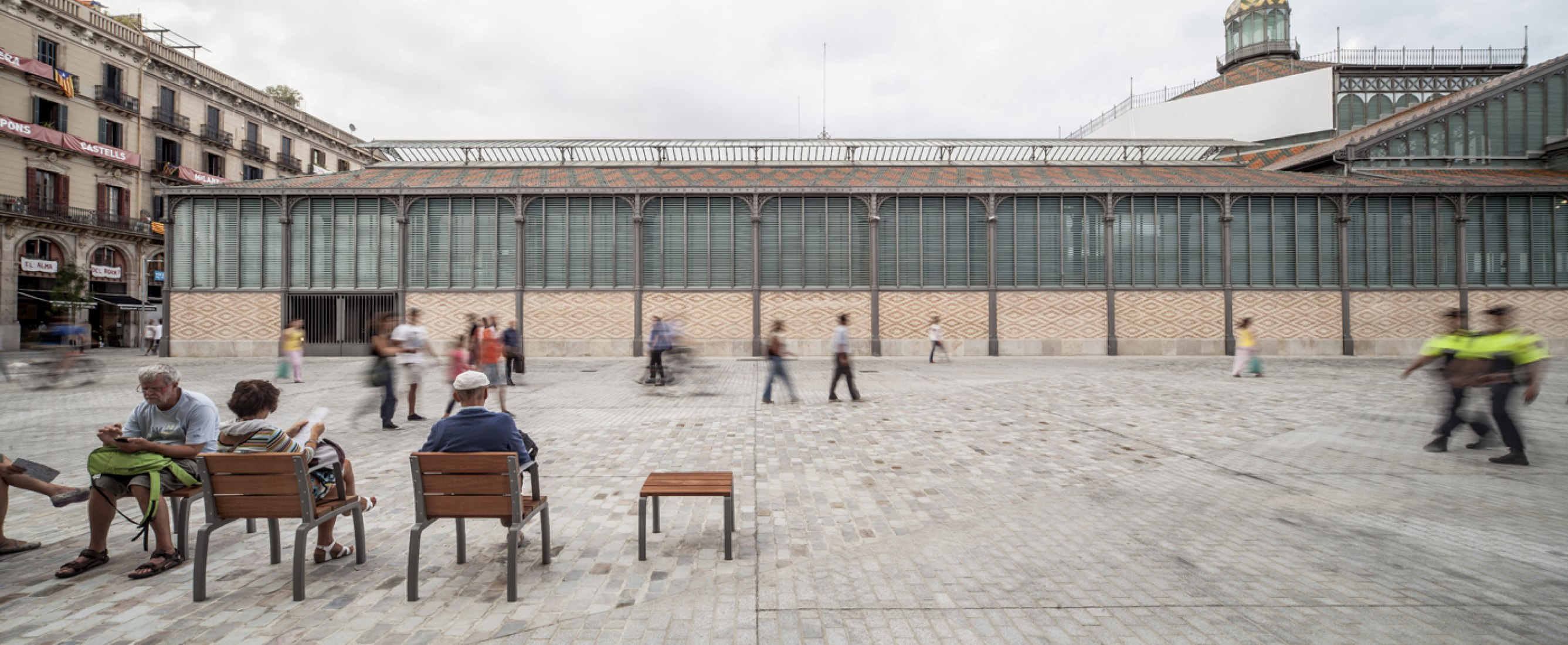 View of urbanization of the Mercat del Born's surroundings performed by Vora. Photography © Adrià Goula.