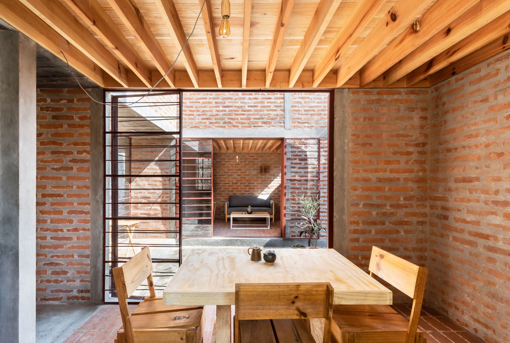Casa Nakasone por Pavel Escobedo y Andrés Soliz. Fotografía por Ariadna Polo