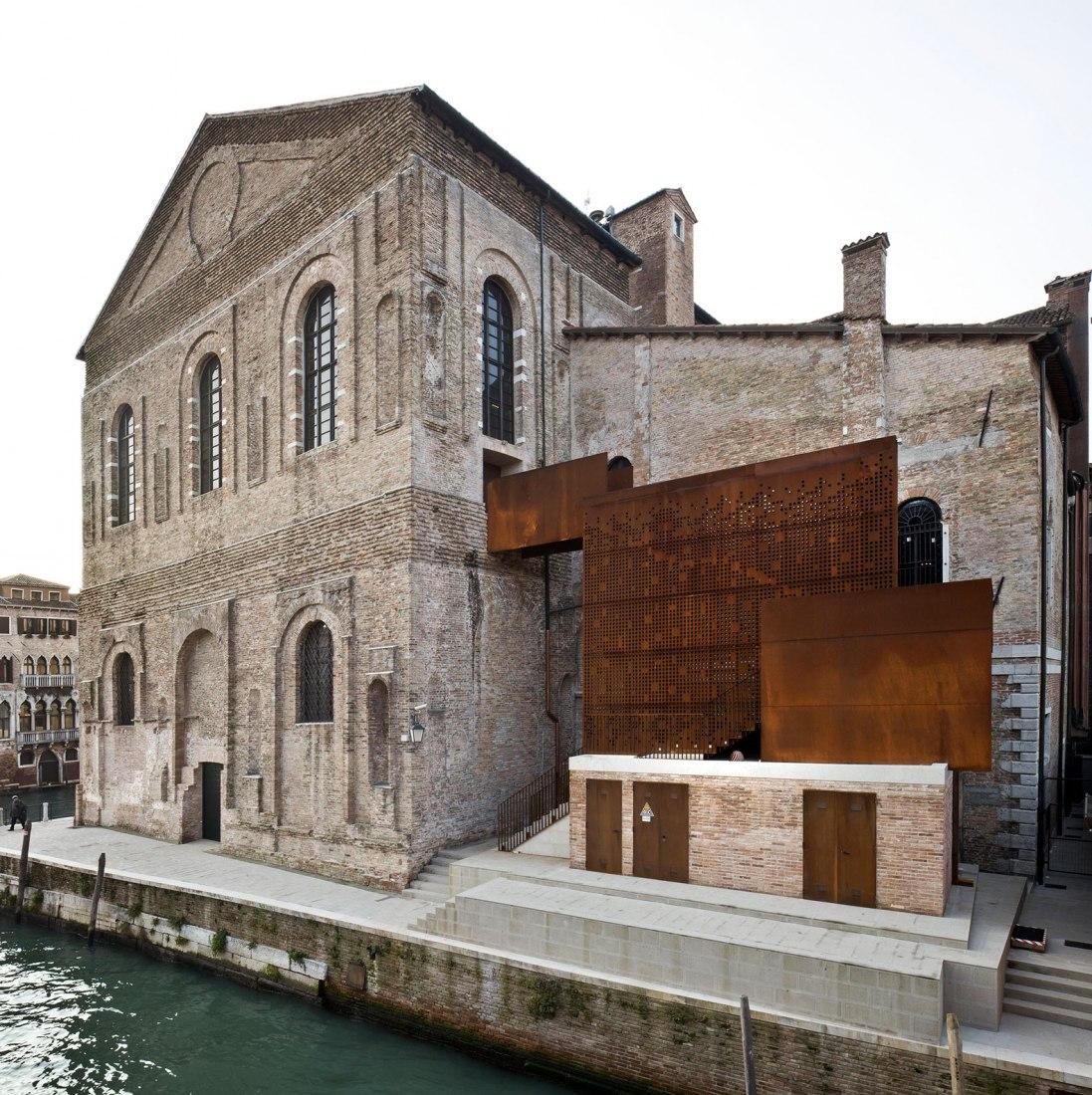 Vista desede el exterior. Imagen cortesía de Scuola Grande Della Misericordia di Venezia.