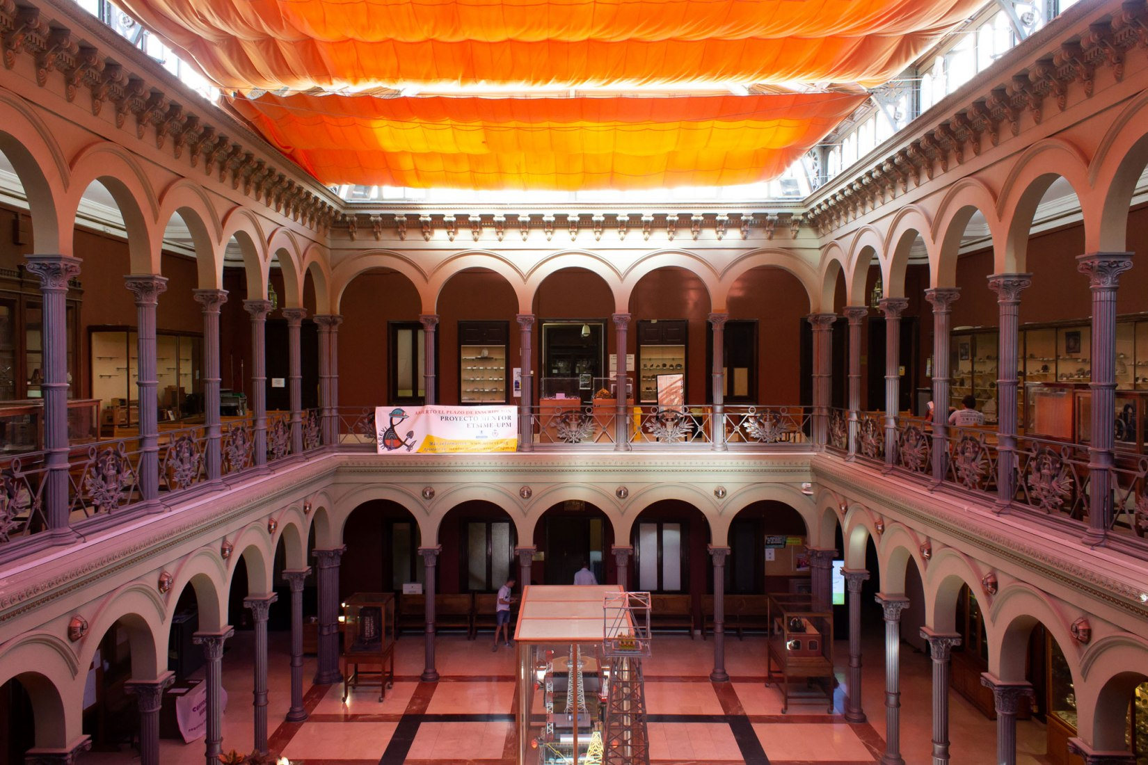 Interior view of historic building. The Higher Technical School of Mining and Energy Engineers of the UPM, new addition in the 4th edition of Open House Madrid. Photograph by Judit Otero / METALOCUS