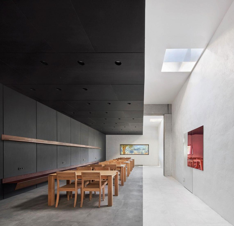 Espai Saó por Raúl Sánchez Architects. Fotografía por José Hevia.