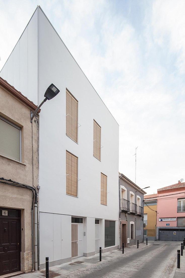 Henche House by Taller Abierto. Photograph by Eduardo Mascagni Valero
