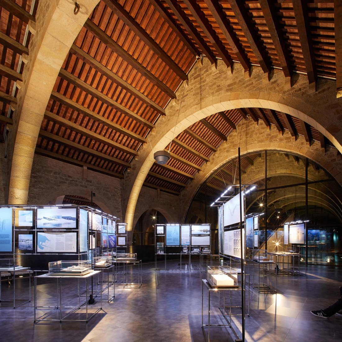 Architectures on the Waterfront, exhibition. Photograph by Pepo Segura, courtesy of Fundació Mies van der Rohe