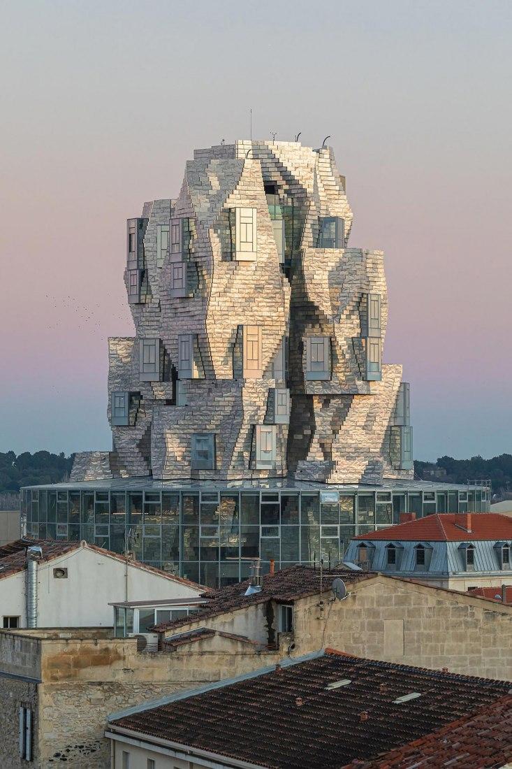 Inauguración de la Torre LUMA Arles de Frank Gehry. Fotografía por Adrian Deweerdt.