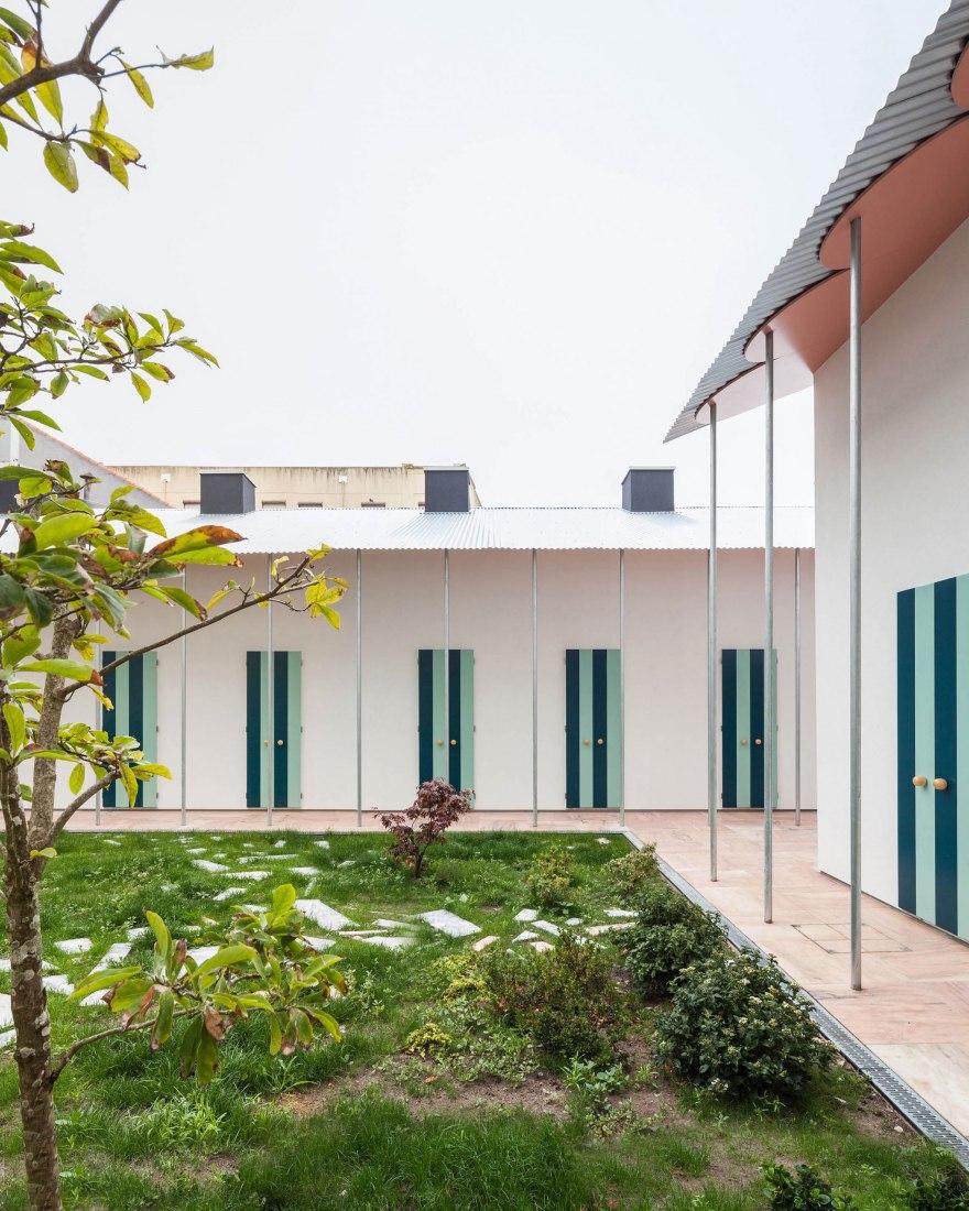 Six houses and a garden by Fala Atelier. Photograph by Ricardo Loureiro.
