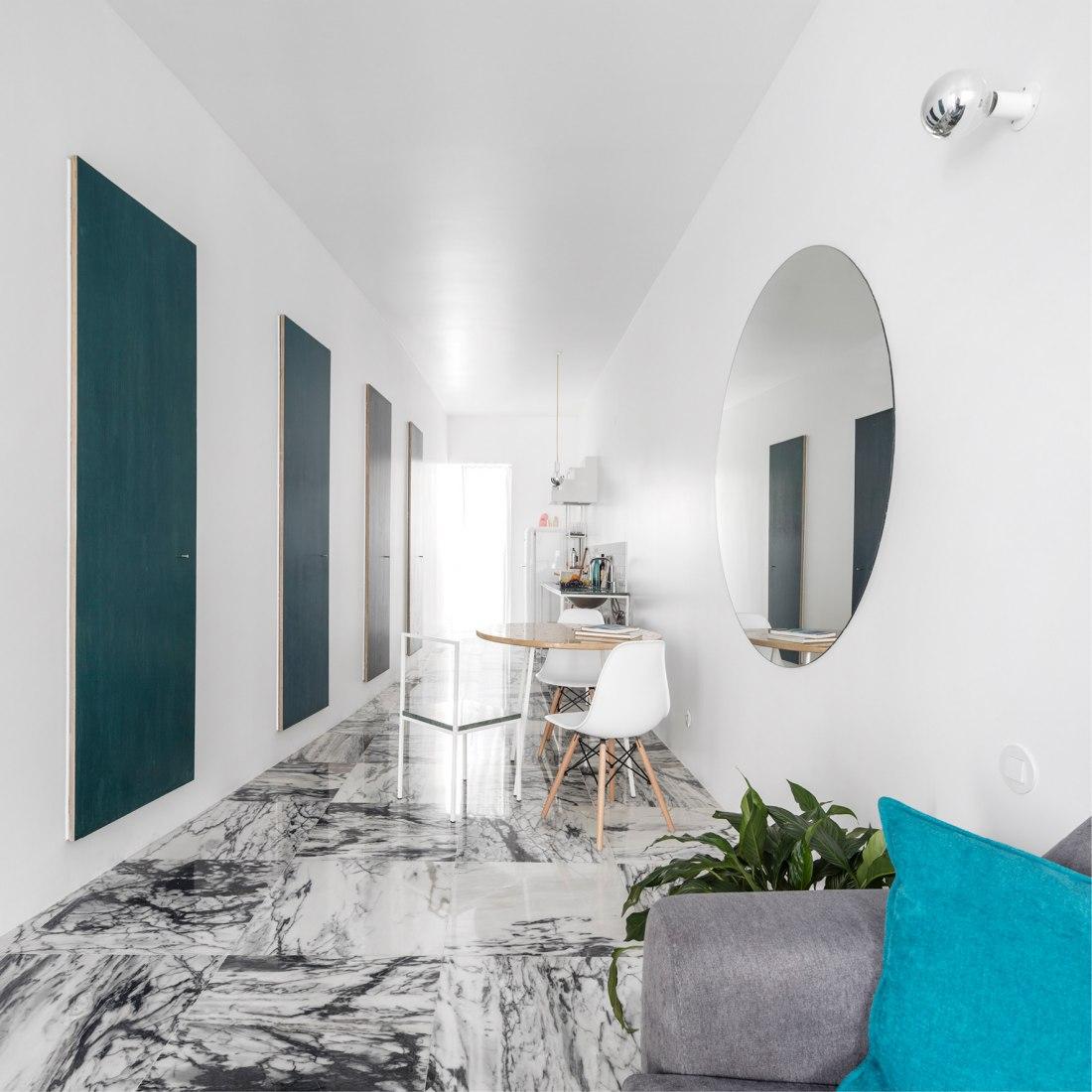 Graça Apartment by Fala Atelier. Photograph © Fernando Guerra. FG+SG
