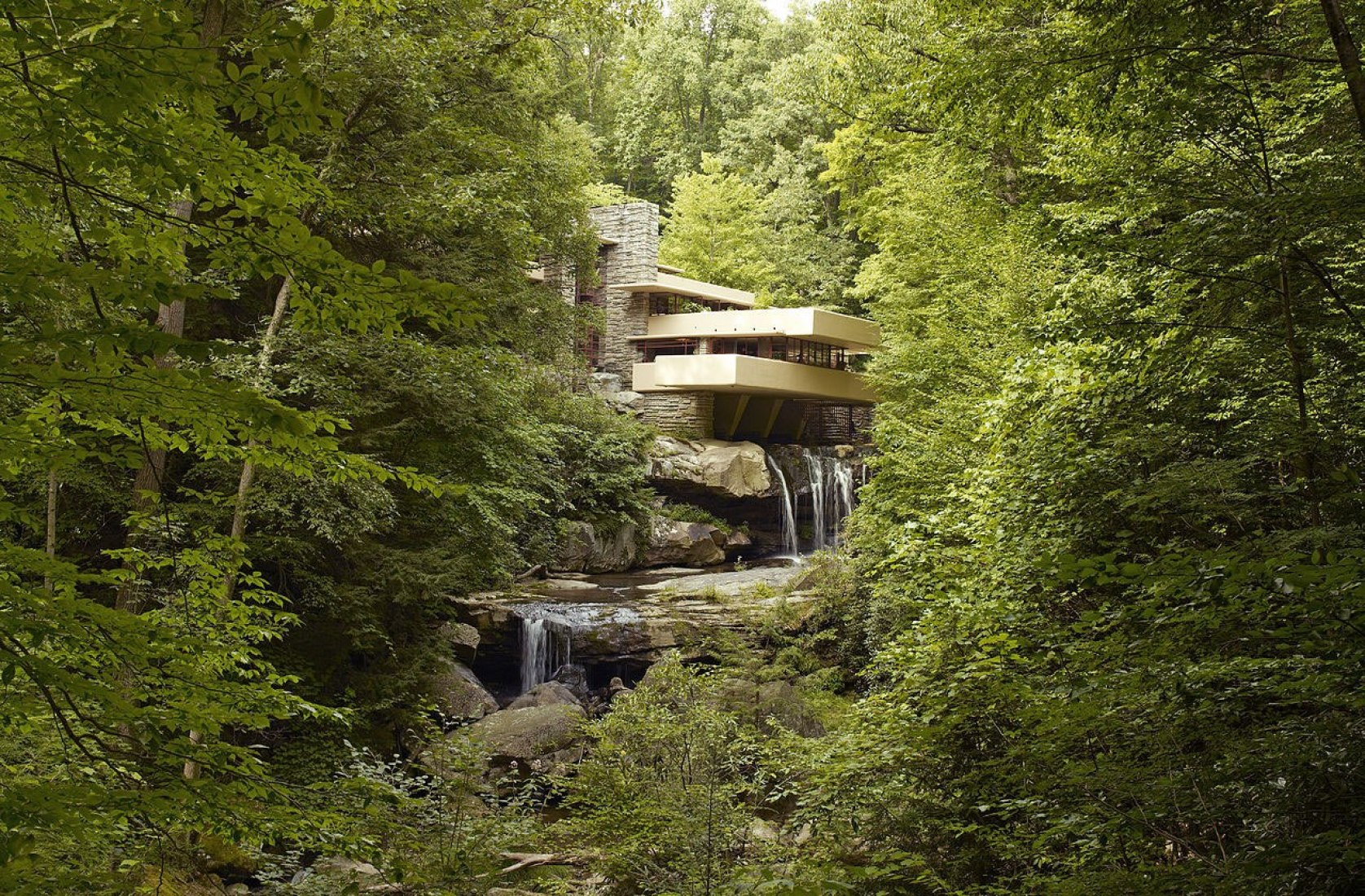 Distant southwestern view. Fallingwater by Frank Lloyd Wright. Photography © Carol M. Highsmith.