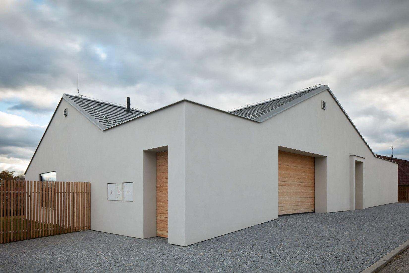 Family house in Litvínovice by Atelier 111 architekti. Photograph by ©BoysPlayNice / Jakub Skokan, Martin Tuma.