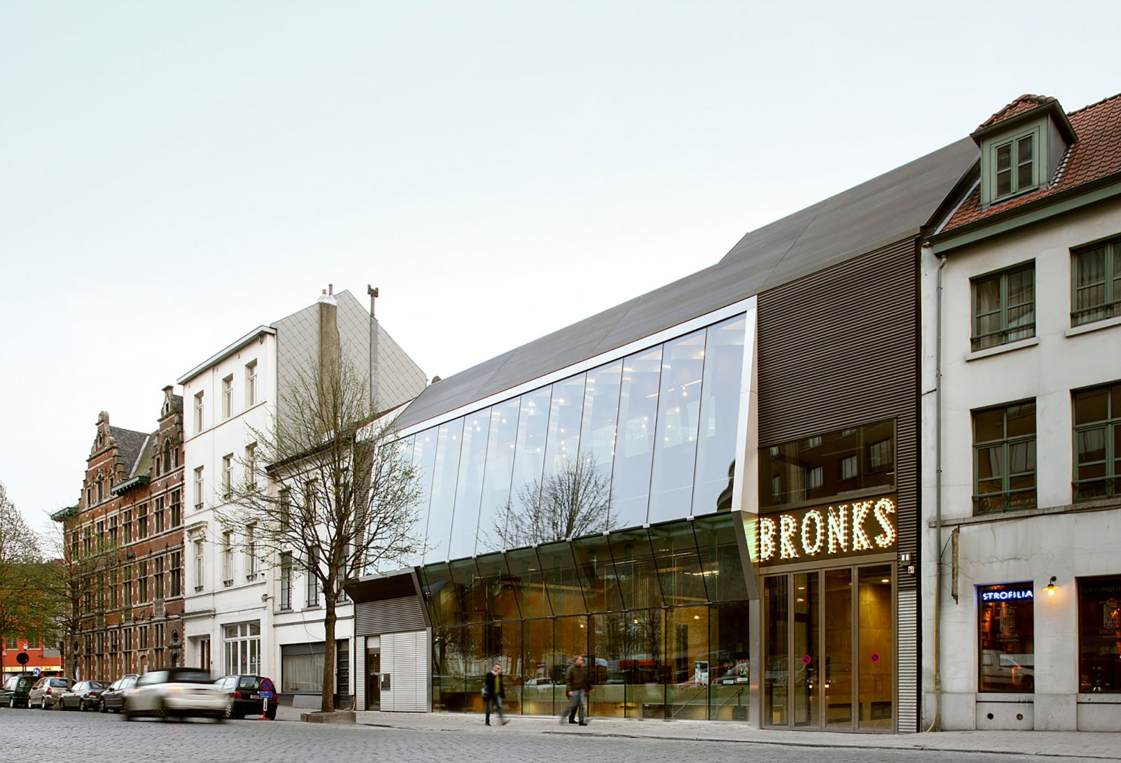 Teatro Bronks, Bruselas, Bélgica MDMA – Martine De Maeseneer Architecten / Martine De Maeseneer, Dirk Van den Brande