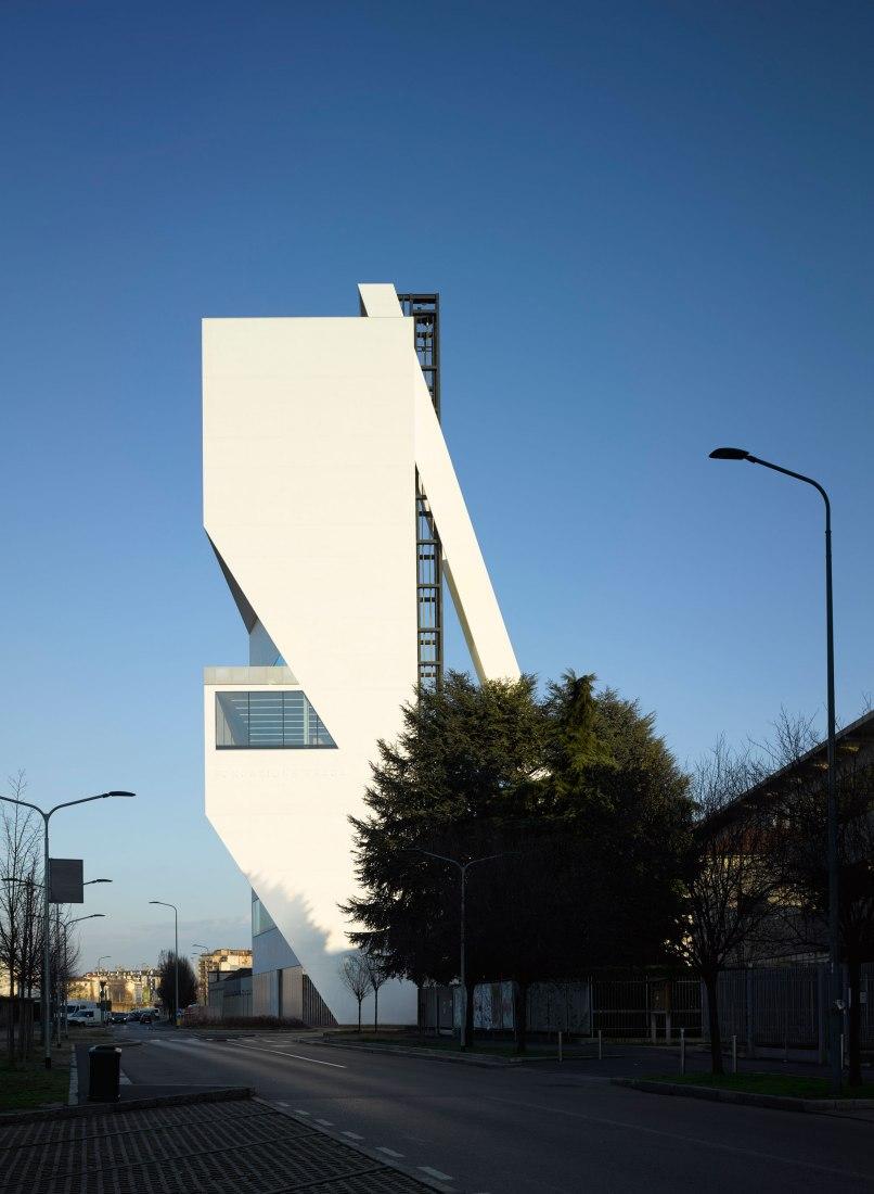 Torre Fondazione Prada, Milan. Architectural project by OMA. Photograph by Bas Princen. Courtesy Fondazione Prada.
