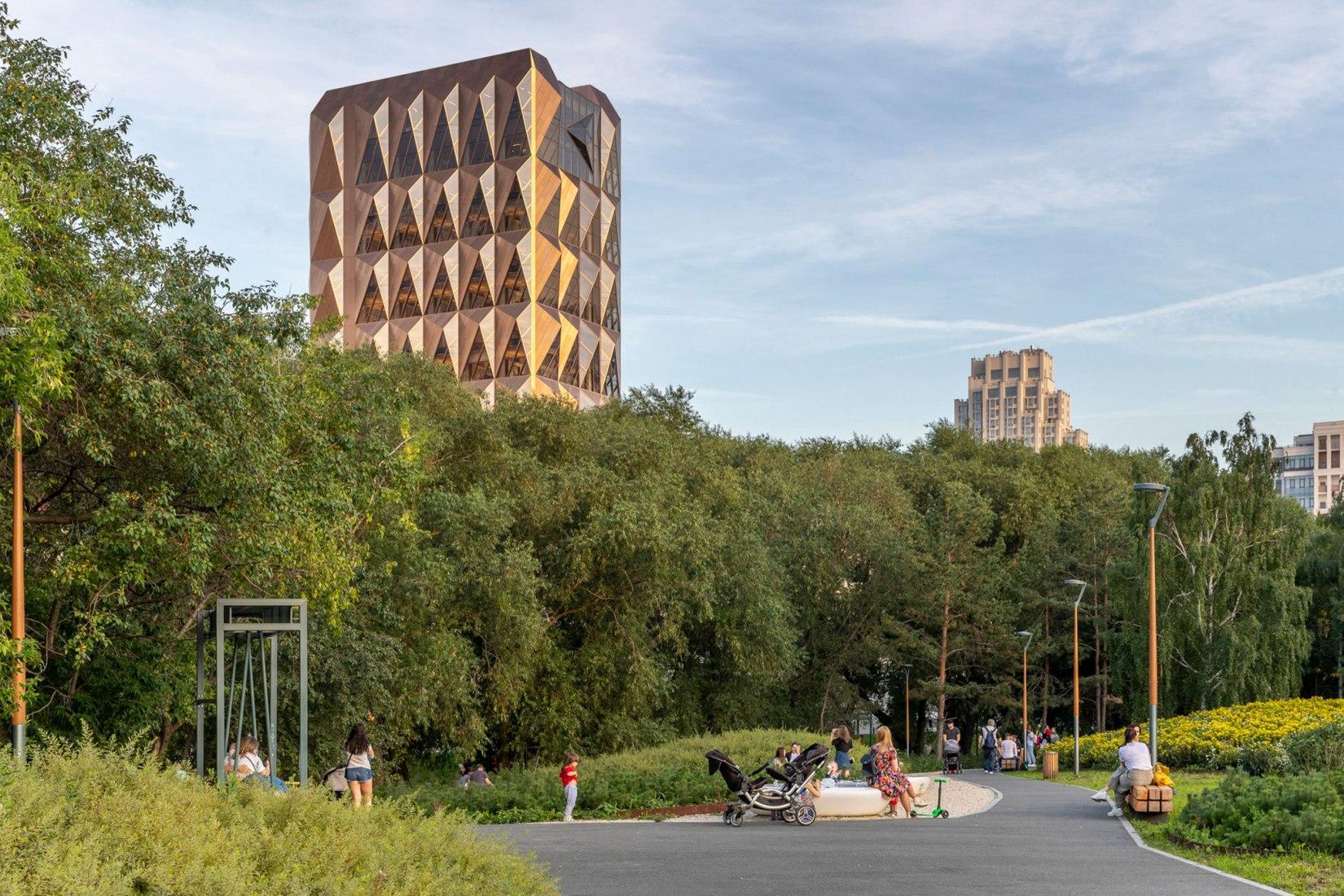 Sede de RCC por Foster + Partners. Fotografía por Oleg Kovalyuk