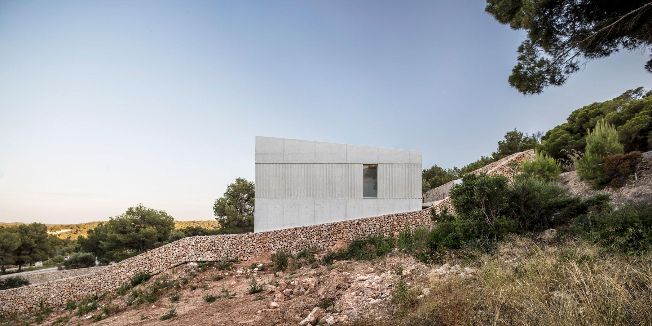 Frame House por Nomo Studio. Fotografía por Adrià Goula.