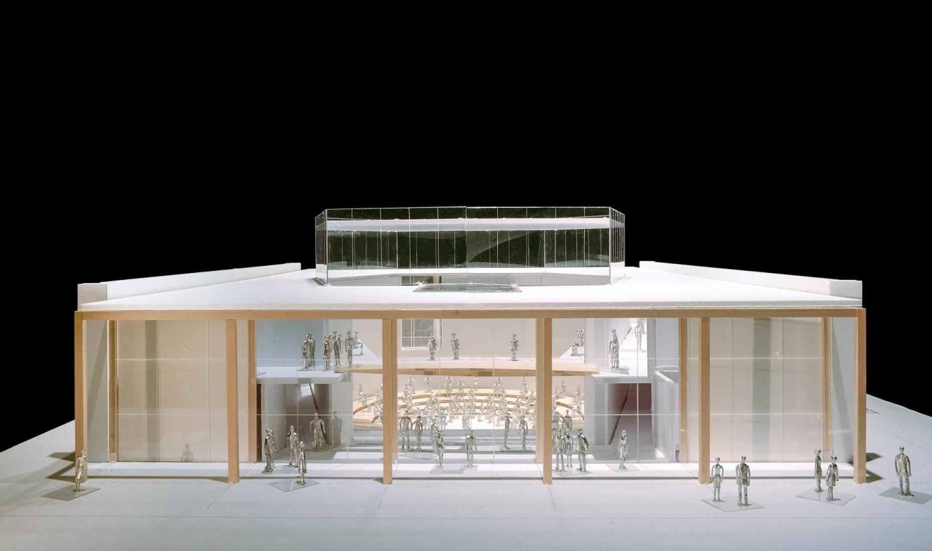 Vista exterior de la maqueta del Centro Judith and Thomas L. Beckmen YOLA en Inglewood. Fotografía cortesía de Gehry Partners, LLP