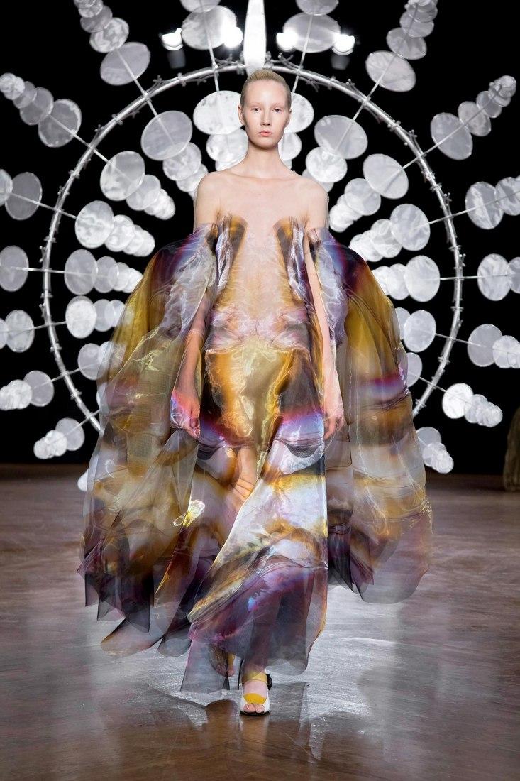 Iris van Herpen Haute Couture Fall Winter 2019-20. HYPNOSIS ∞. Image courtesy Iris van Herpen