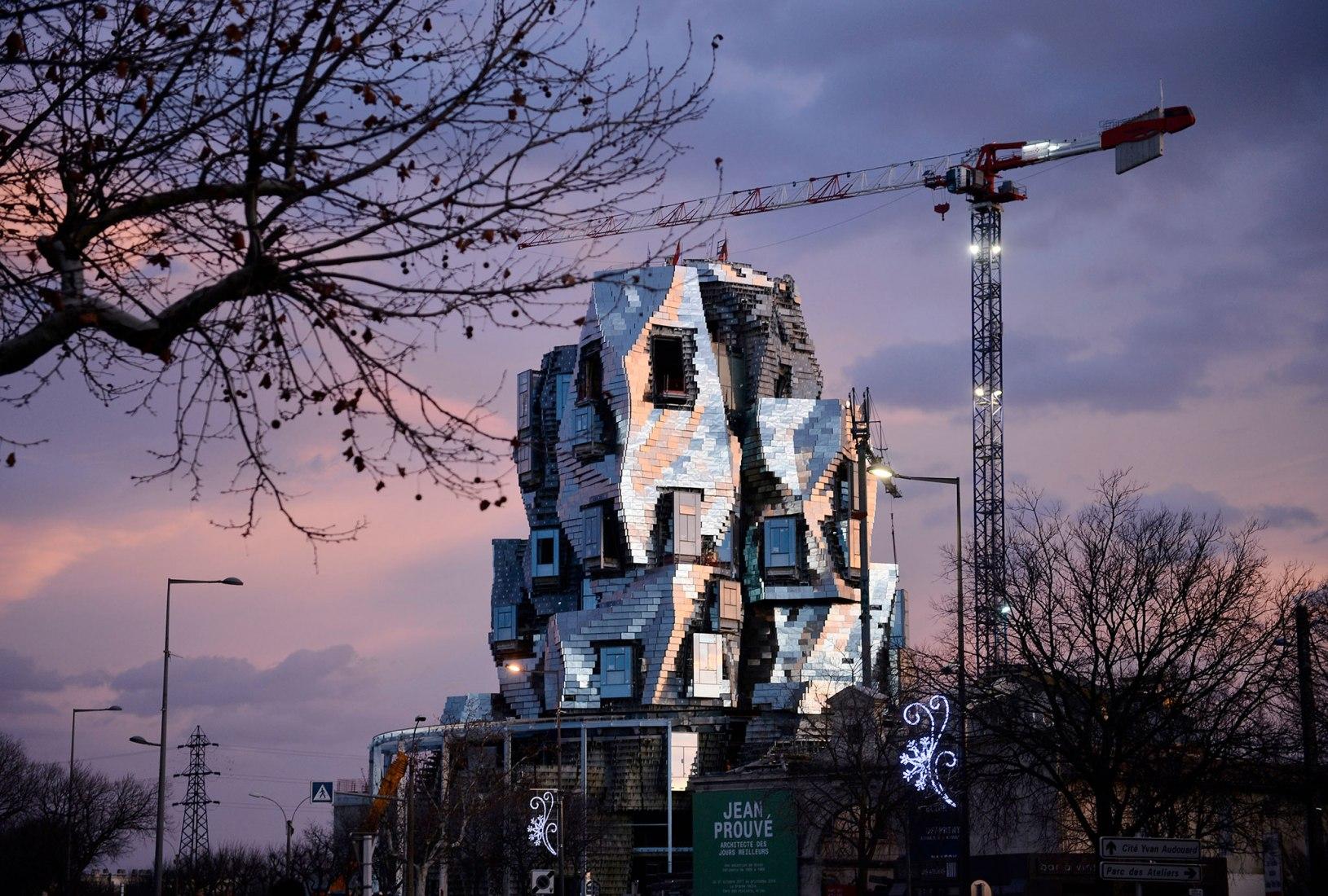 Torre Luma Arles de Frank Gehry. Fotografía por Hervé Hôte