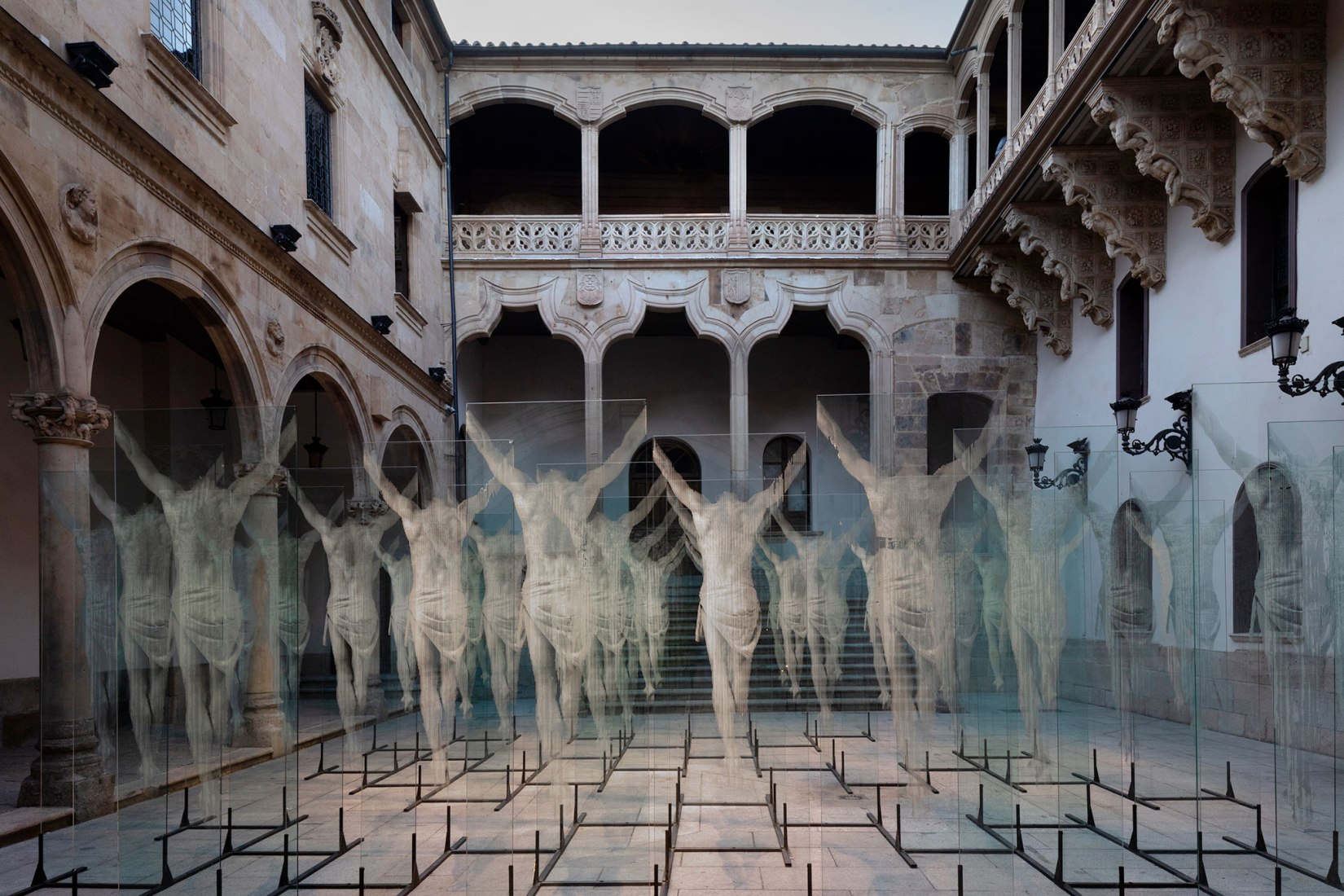 Non Plus Ultra by Gonzalo Borondo in Salamanca. Photograph by Roberto Conte