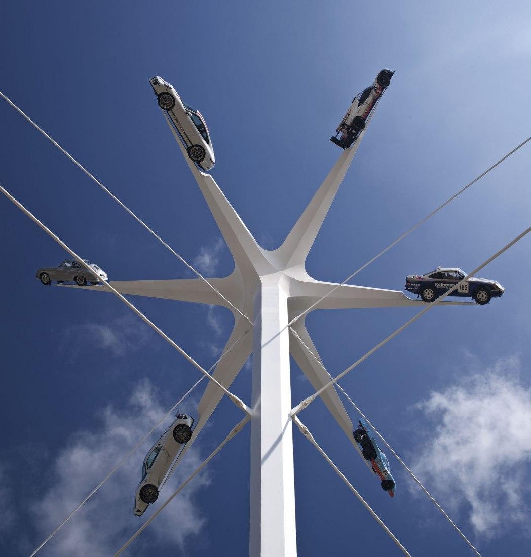 Escultura Porsche: Festival Goodwood de la Velocidad por Gerry Judah. Fotografía por David Barbour
