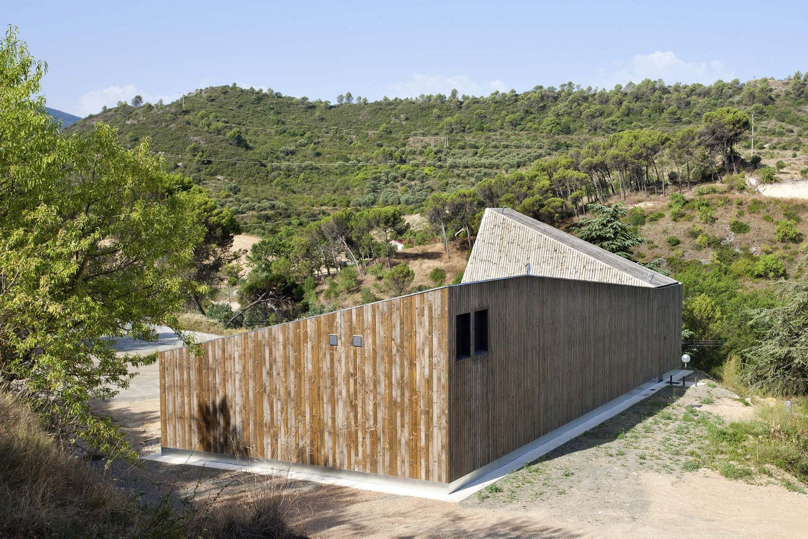 Environmental Guardhouse in Estella by Boa Arquitectos. Photograph by Berta Buzunariz