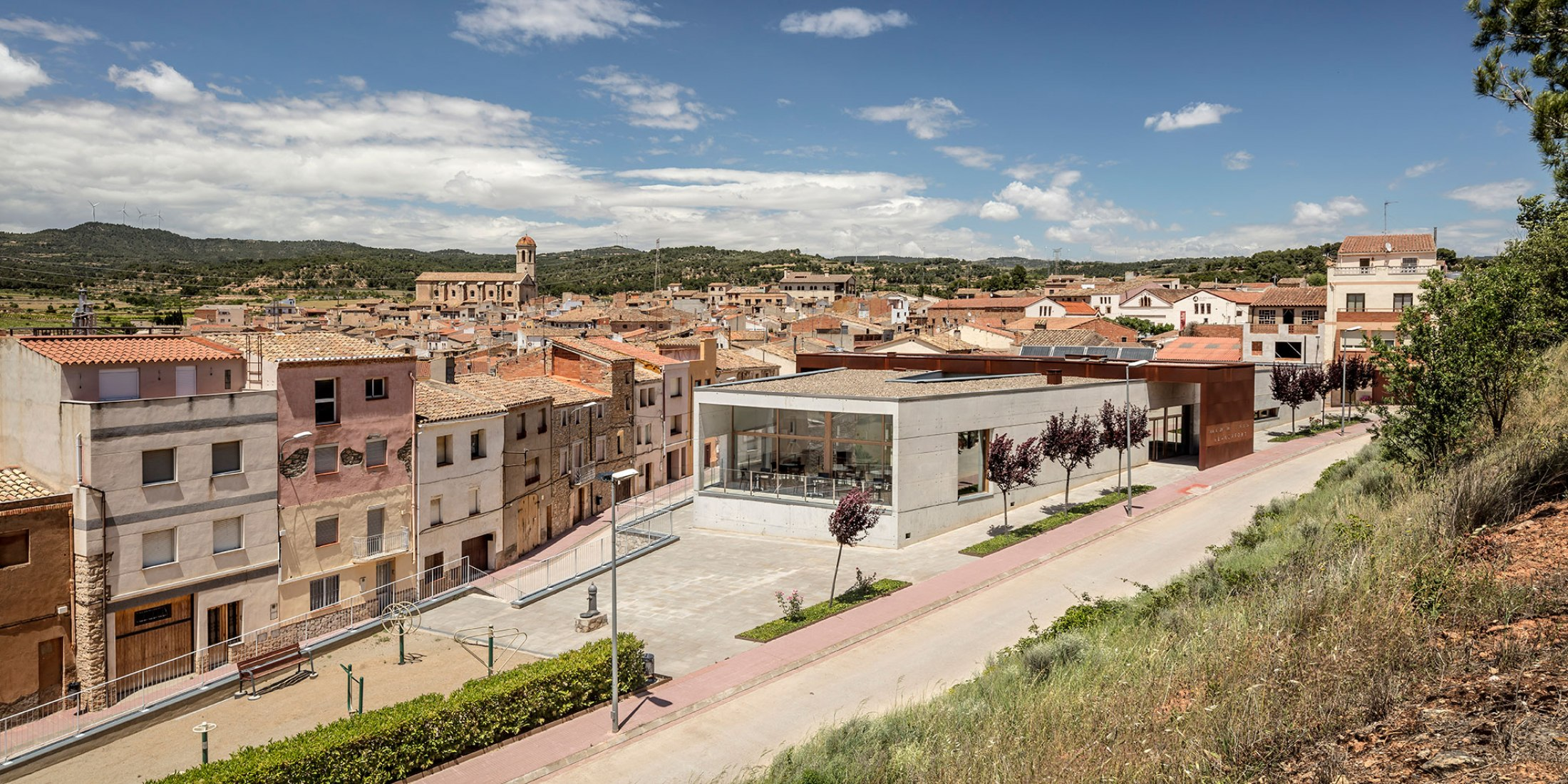 Day center and Home for the elderly of Blancafort by Guillem Carrera. Photograph by Adrià Goula