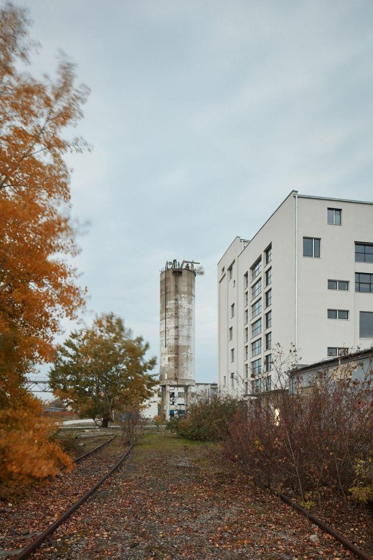 Exterior view. The Mill by GutGut. Photograph © Jakub Skokan, Martin Tůma (BoysPlayNice)