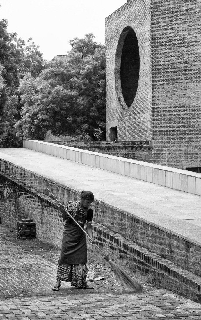 Instituto Indio de Gestión de Louis Kahn. Fotografía por Héctor Peinador