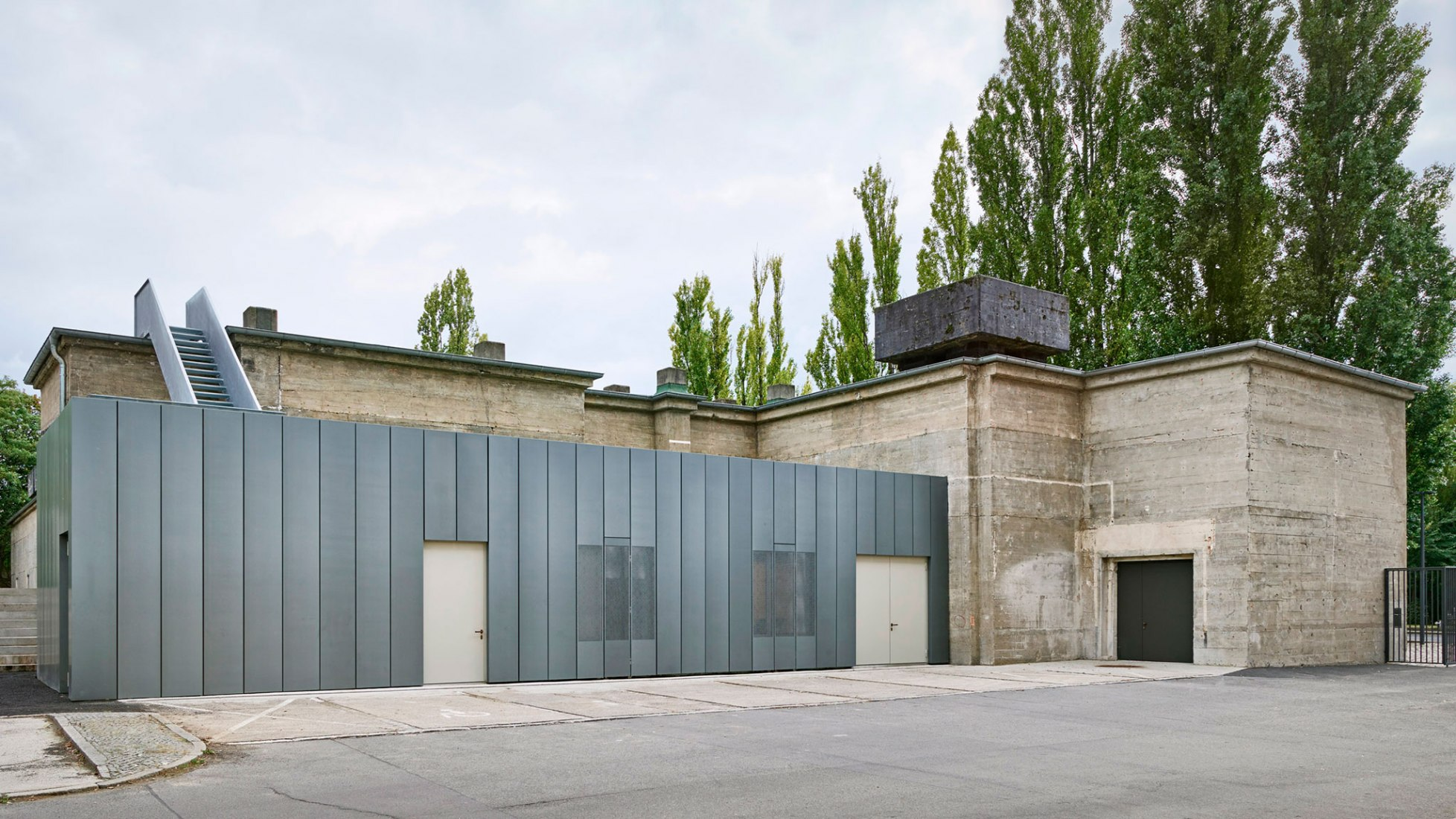 Exterior view. The Feuerle Collection by John Pawson. Photograph © Holger Niehaus