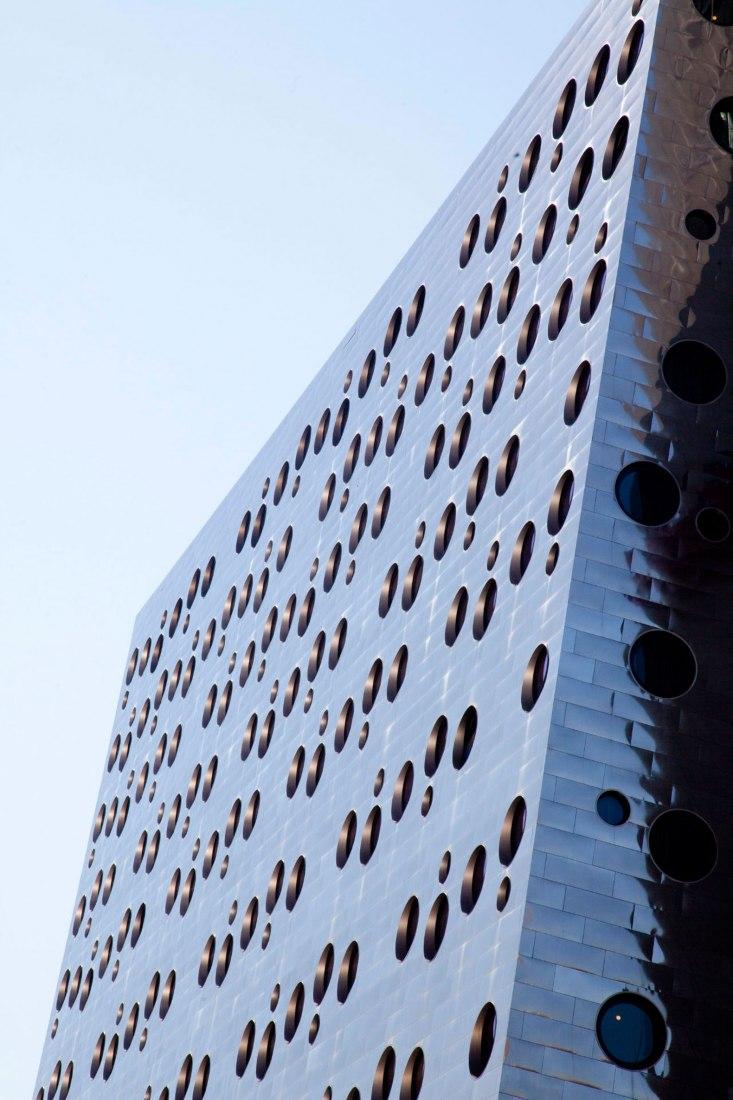 Vista de la fachada. Dream Downtown Hotel por Handel Architects. Fotografía © Bruce Damonte, Philip Ennis