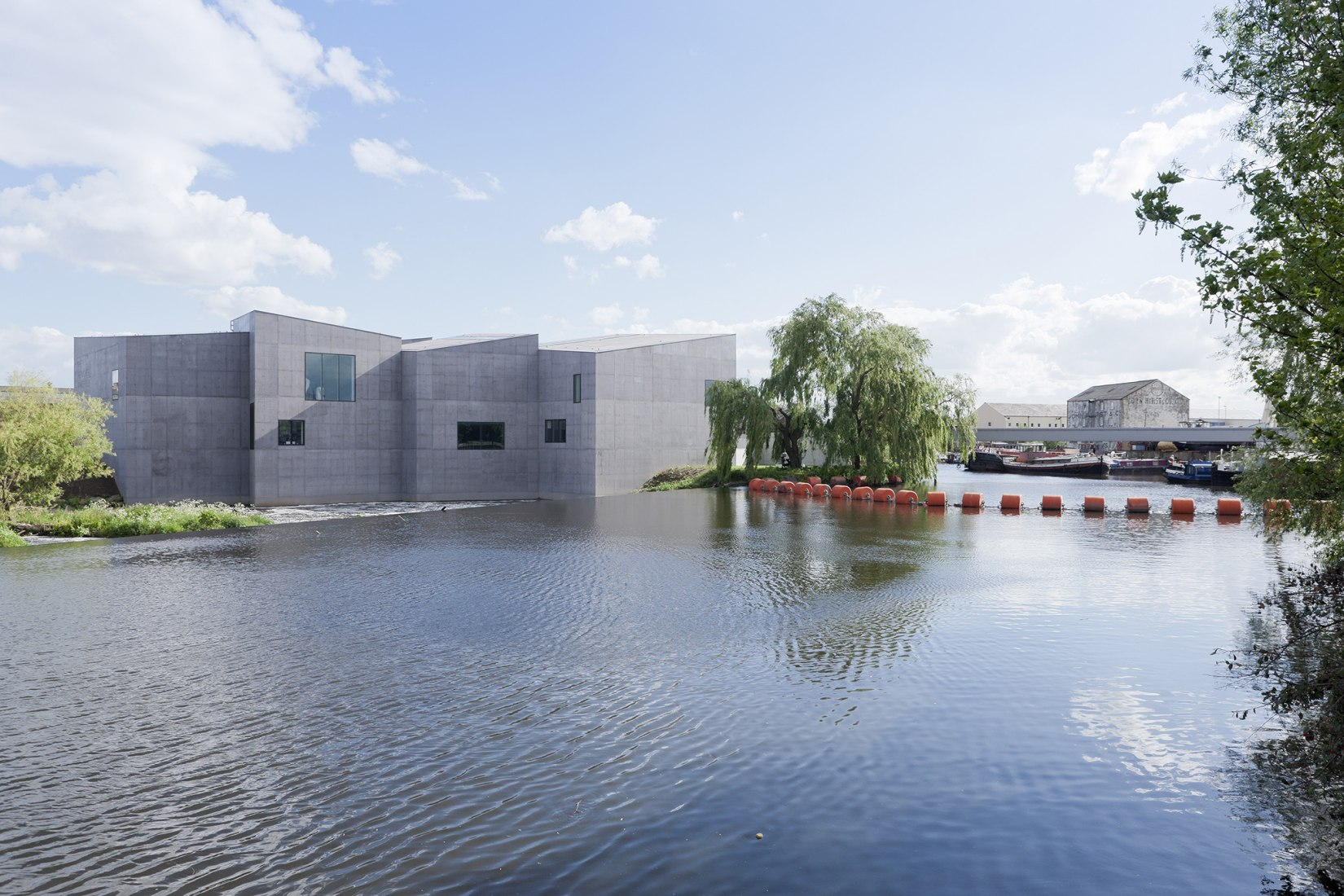 The Hepworth Wakefield by David Chipperfield. Photography © Iwan Baan.