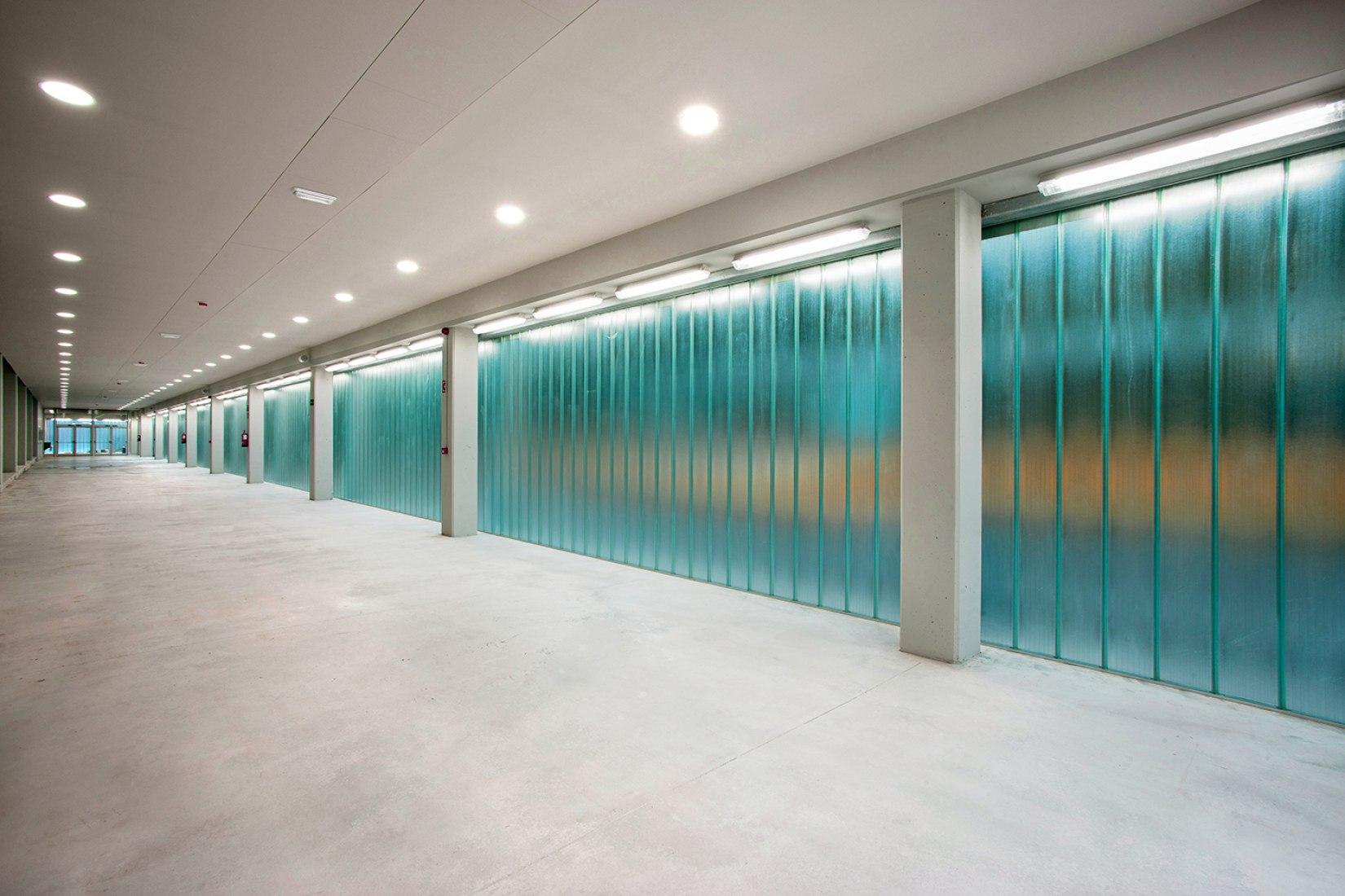 Inside view of Sport Cter. by HIKA arkitektura. Photograph © Agustín Sagasti. Image courtesy of HIKA arkitektura