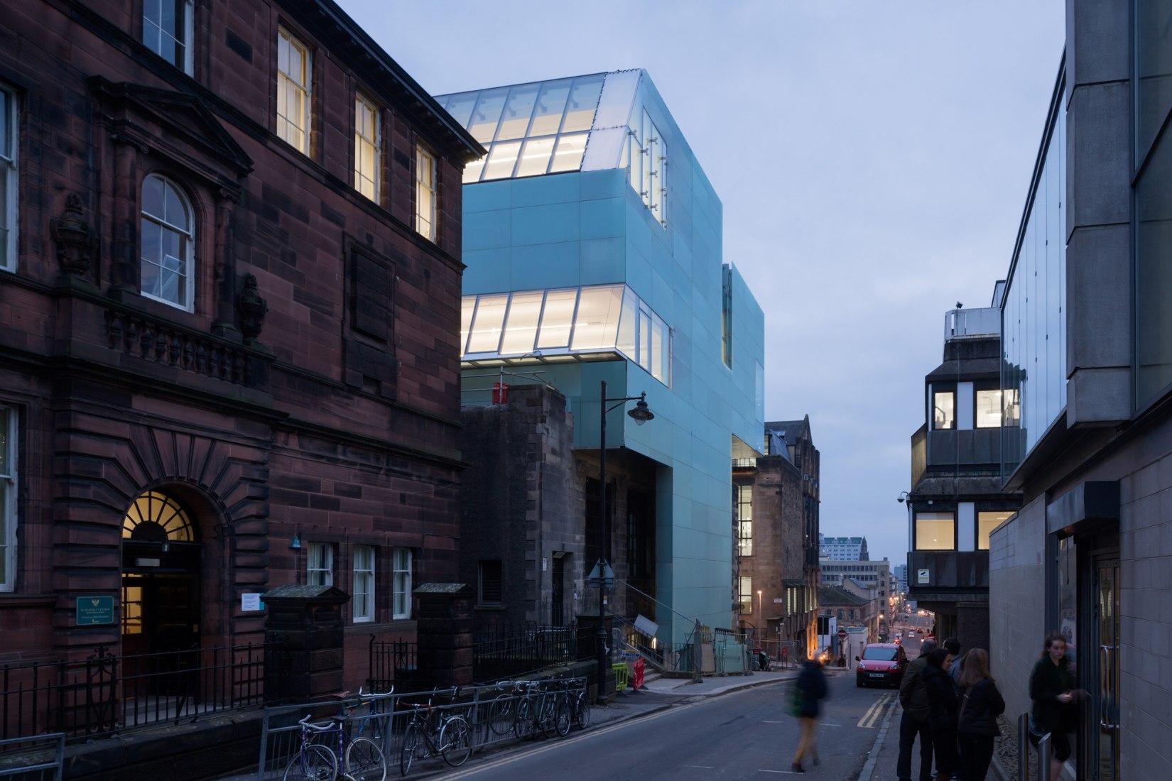 La nueva ampliación del campus de la Escuela de Arte de Glasgow School por Steven Holl Archtiects. Fotografía @ Iwan Baan