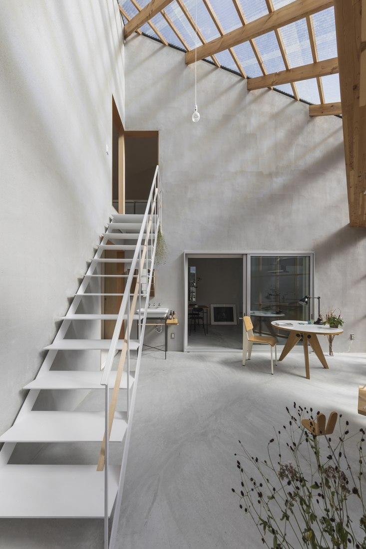 House in Sonobe by Tato Architects/Yo Shimada. Photograph by Shinkenchiku Sha.