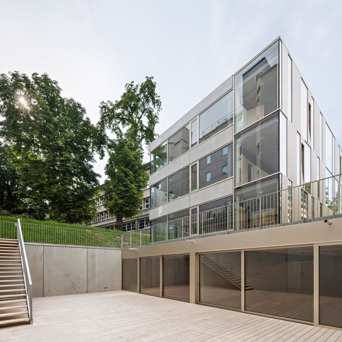 Exterior view. Extension of the Lycée Français and Renovation of the Studio Molière by Dietmar Feichtinger Architectes. Photograph © Hertha Hurnaus.