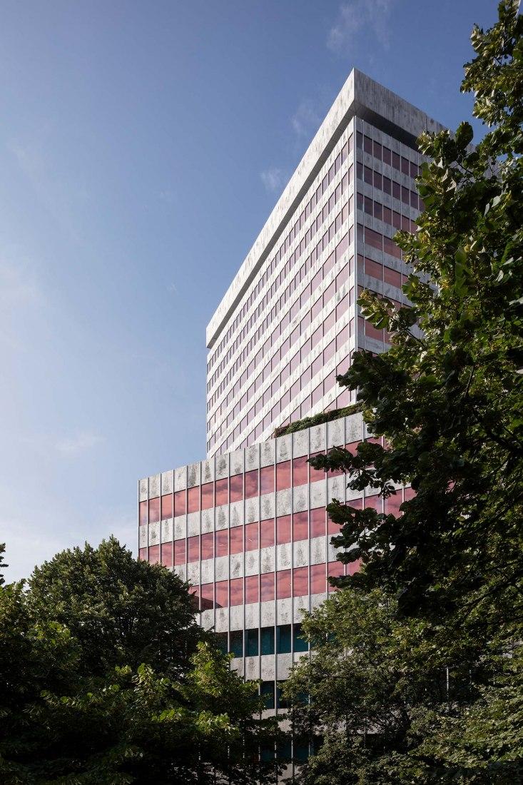 Reforma integral de la torre Bizkaia por IDOM. Fotografía por Aitor Ortiz.