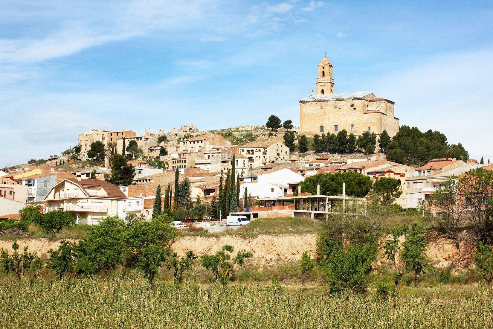Restauración de la antigua iglesia de Corbera d'Ebre por Ferran Vizoso Architecture. Fotografía © José Hevia