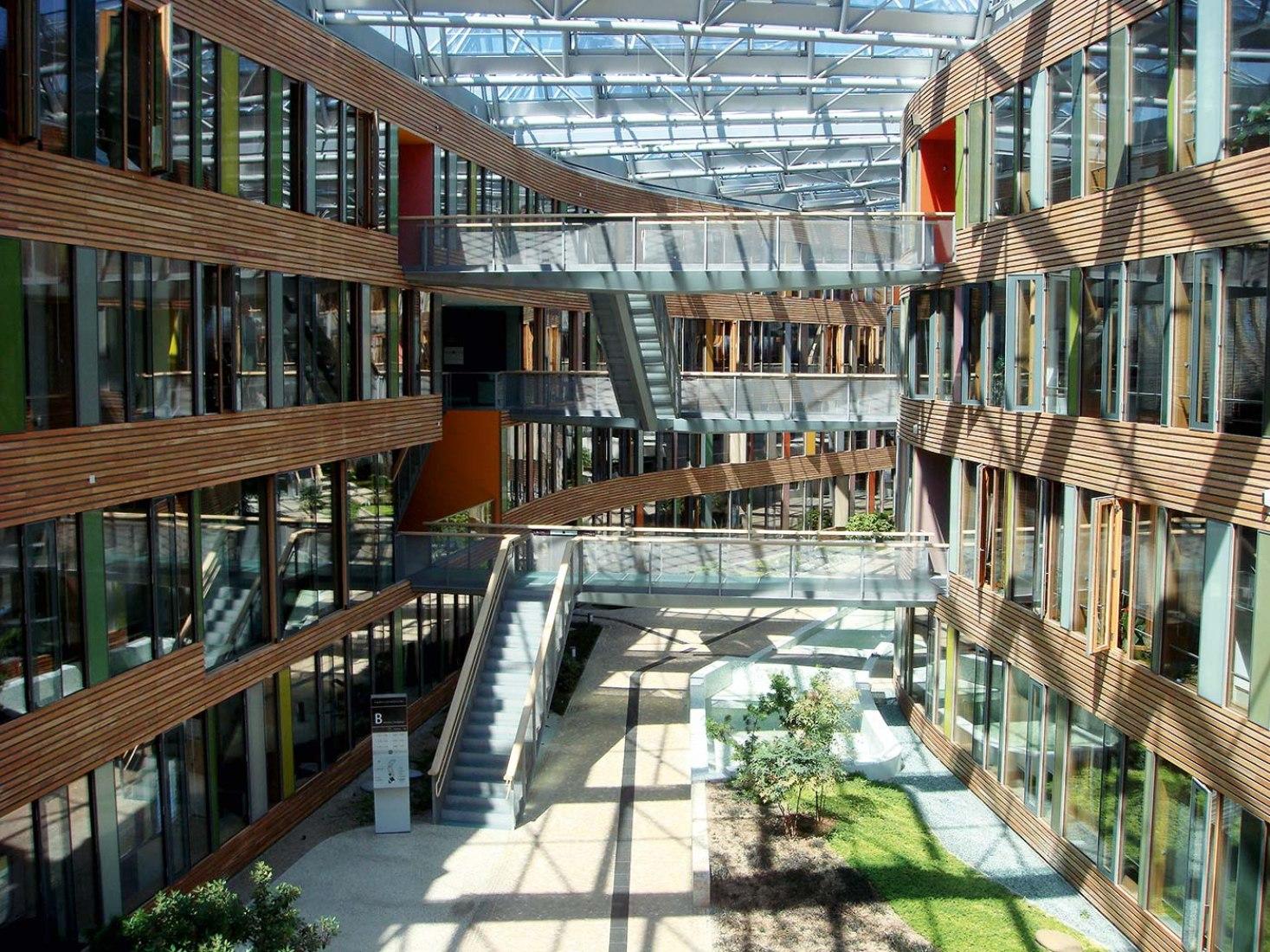 Agencia Federal de medio Ambiente en Dessau, Alemania. (2005). Sauerbruch Hutton. Cortesía de la Fundación Arquitectura y Sociedad.