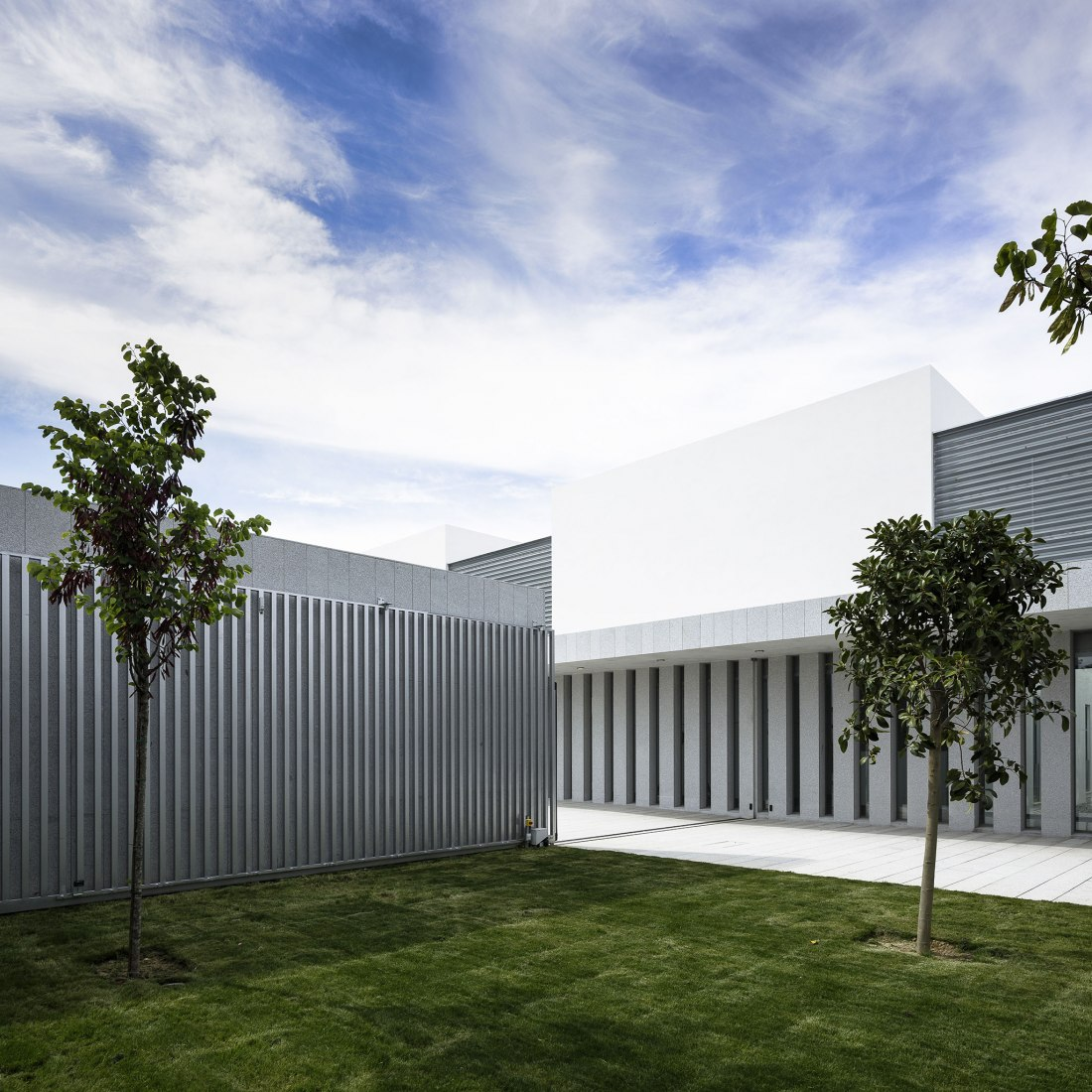 Health centre at Gibraleón by Javier Terrados. Photograph by Fernando Alda