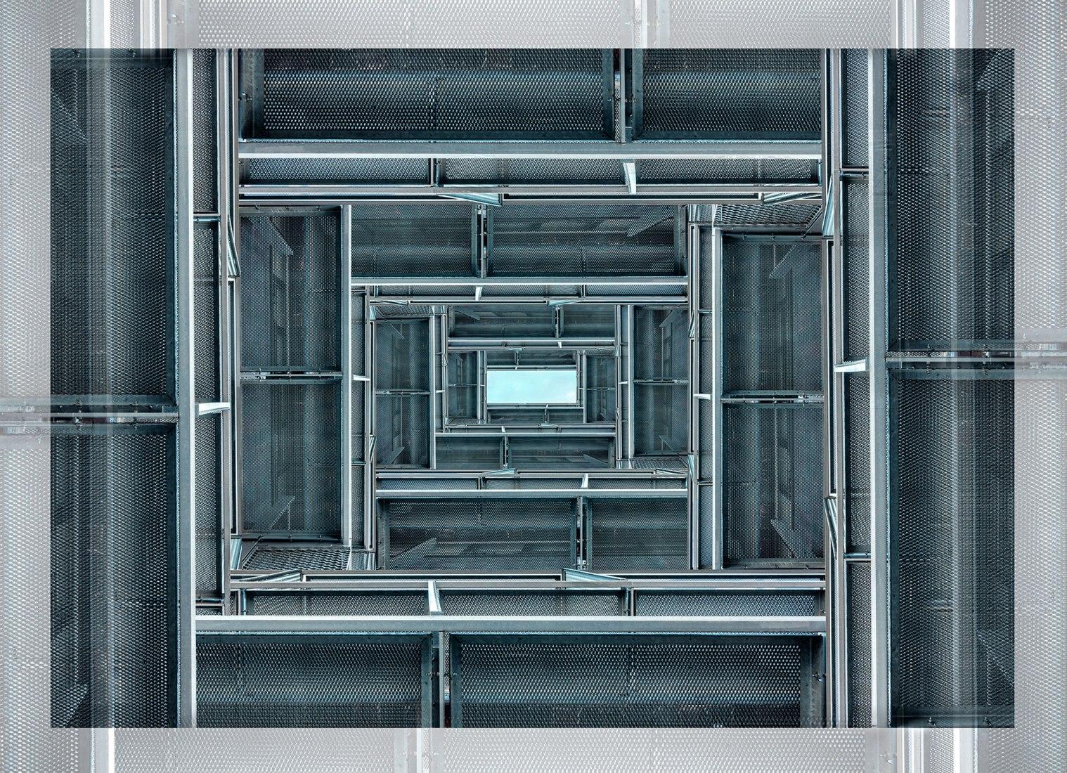 Geometrical 1. 108x150 cm. Impresión por sublimación / Cromaluxe. Edición de 7 ej. + 1 P.A. / 2018. Cortesía de Jesús M. Chamizo Photographer