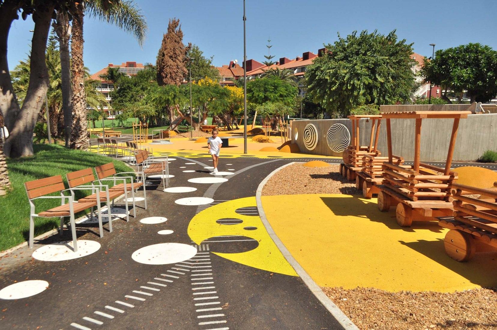 Inclusive Park, El Laurel by Jiménez Bazán Arquitectos. Photograph by Roberto Bazán López
