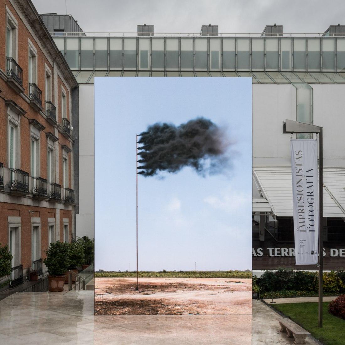 Installation view: John Gerrard, Western Flag (Sindletop, Texas) 2017, Museo Nacional Thyssen-Bornemisza, Madrid, Spain, 2019. Photograph by Roberto Ruiz | TBA21