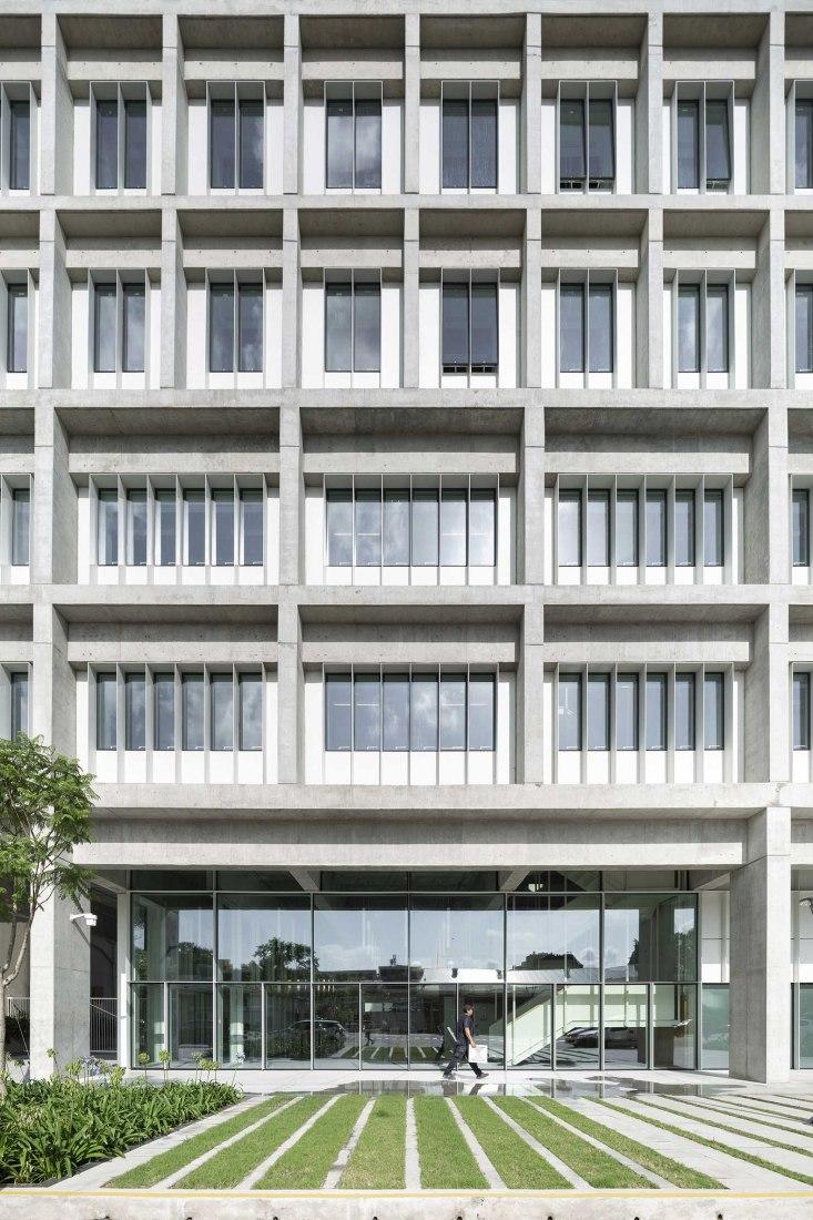 Edificio Sáenz Valiente por Josep Ferrando Architecture. Fotografía por Federico Cairoli
