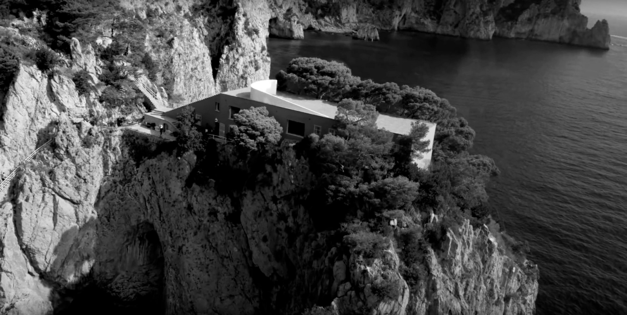 Screenshot. Casa Malaparte. KATE MOSS & JAMIE BOCHERT